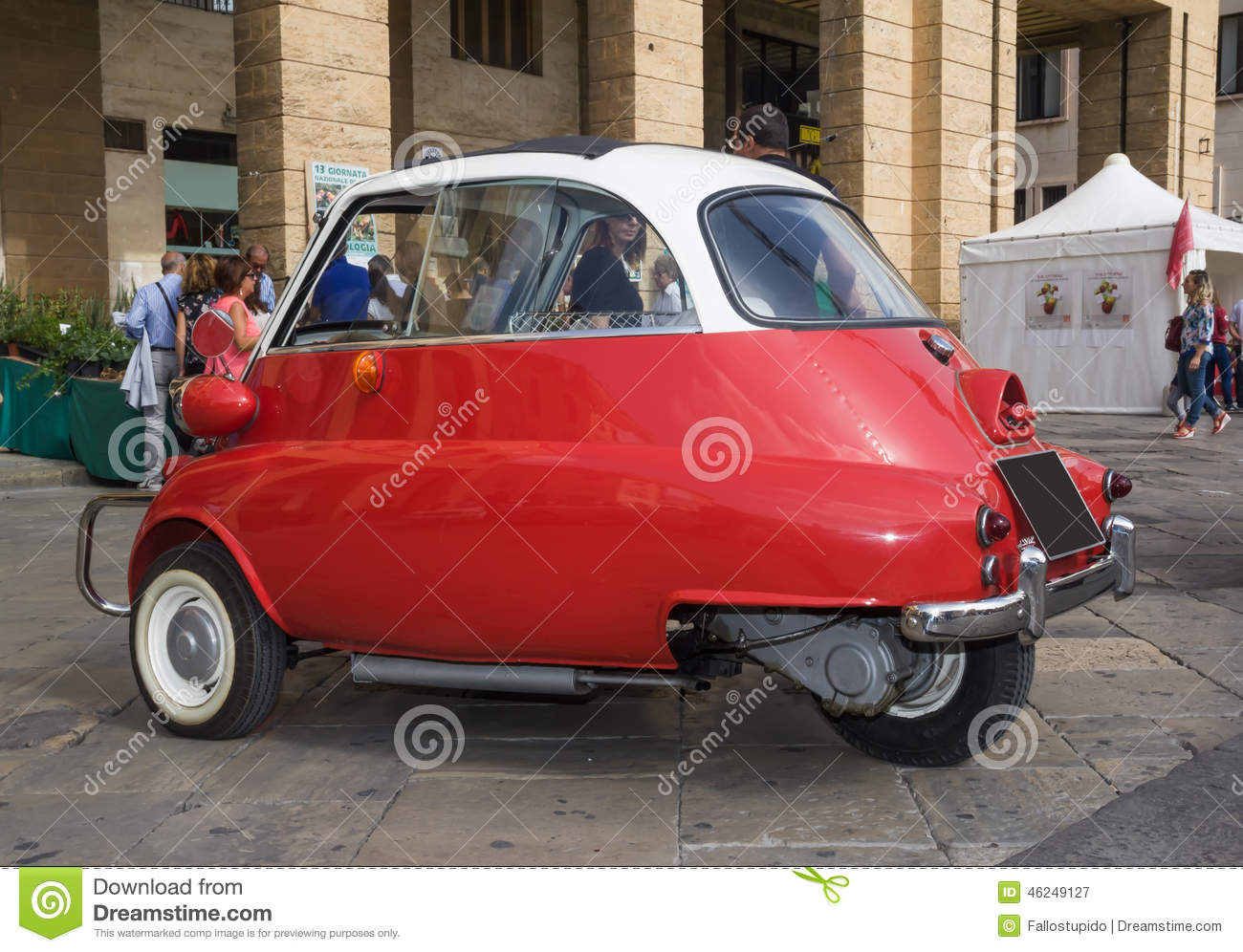 Coupe Series 3 wheel car bmw Bmw isetta three-wheel editorial photography. Image of wheel ...