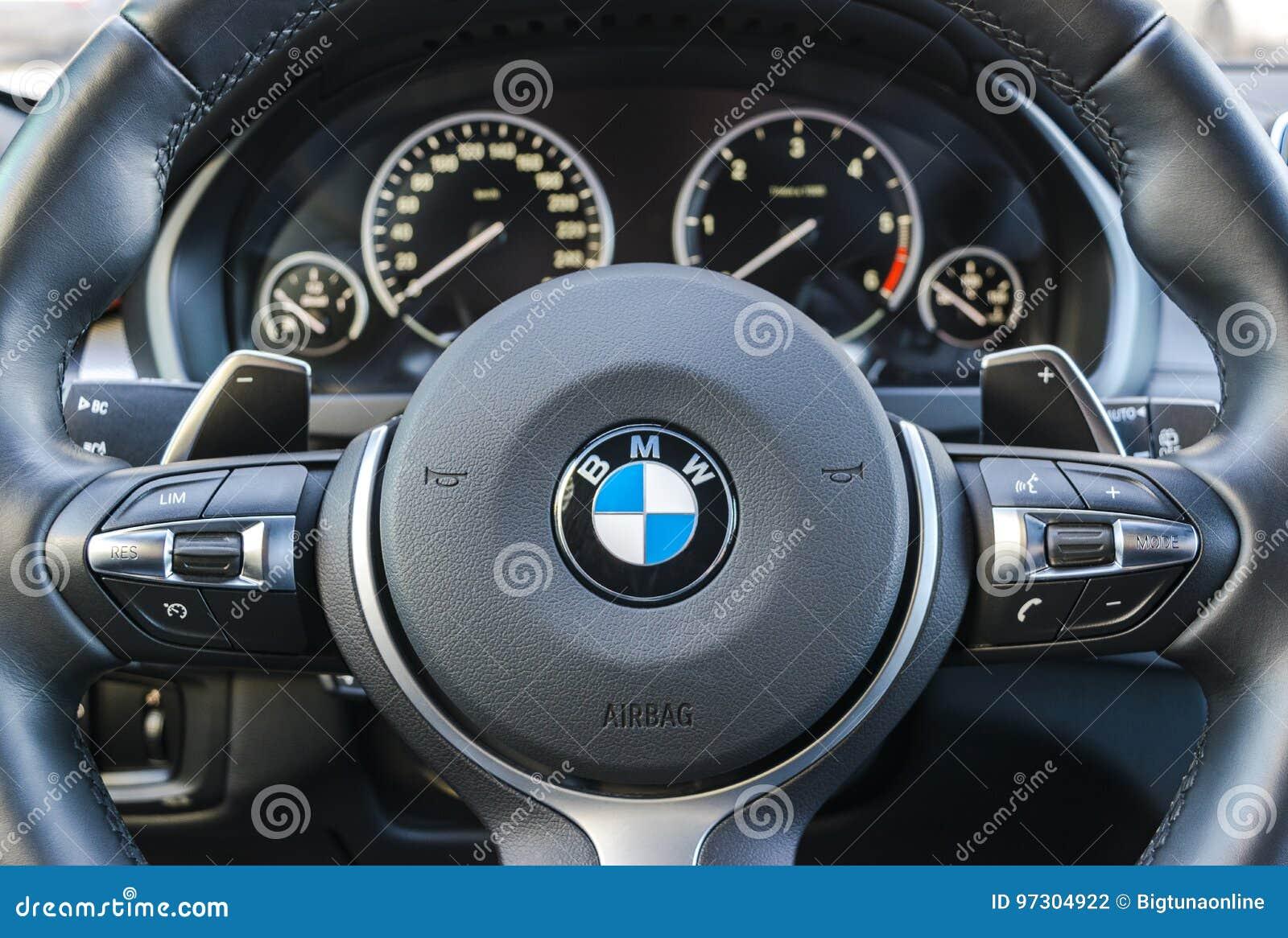BMW X5M 2017, Close Up Of Steering Wheel, Dashboard Modern ... - photo#43