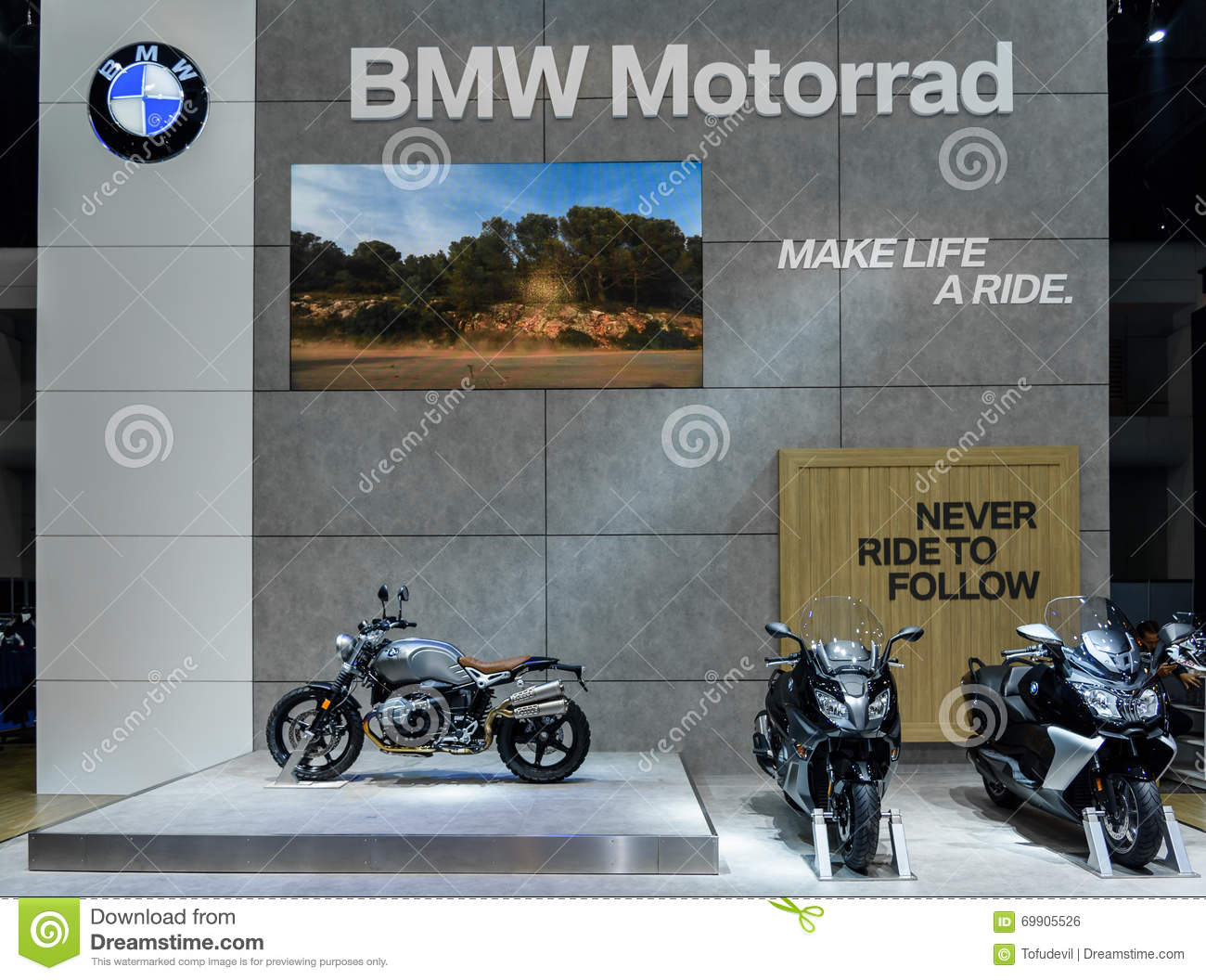 bmw motorrad booth at the 37th bangkok international motor. Black Bedroom Furniture Sets. Home Design Ideas