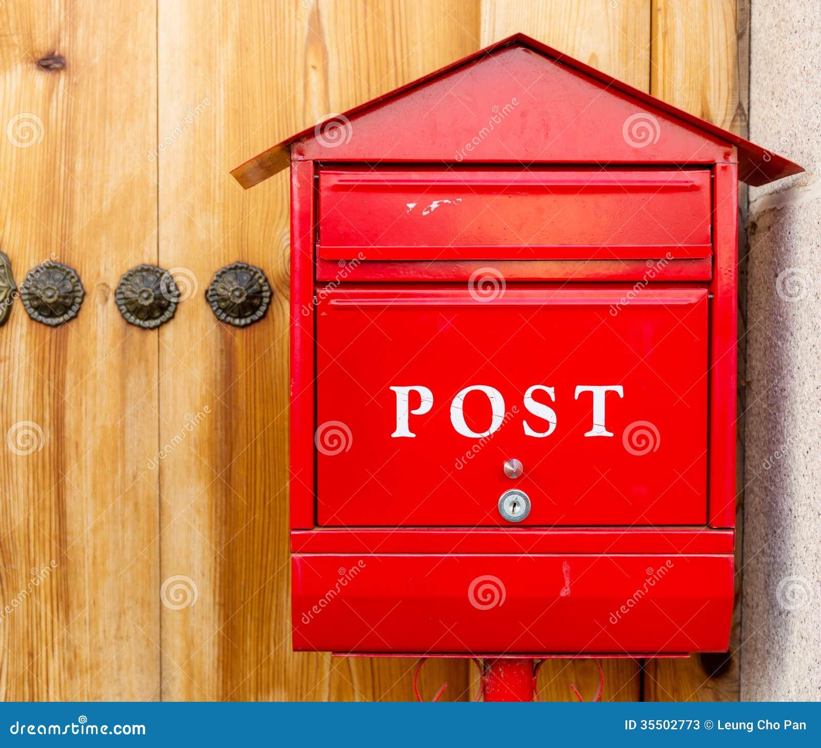 Boite Aux Lettres Rouge Image Stock Image Du Bureau 35502773