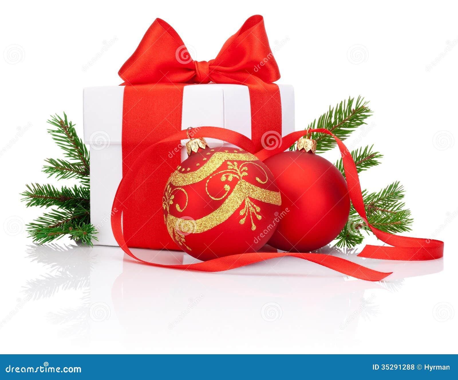 bo te cadeau blanc attach avec le ruban la boule rouge de no l de d corations et la branche d. Black Bedroom Furniture Sets. Home Design Ideas