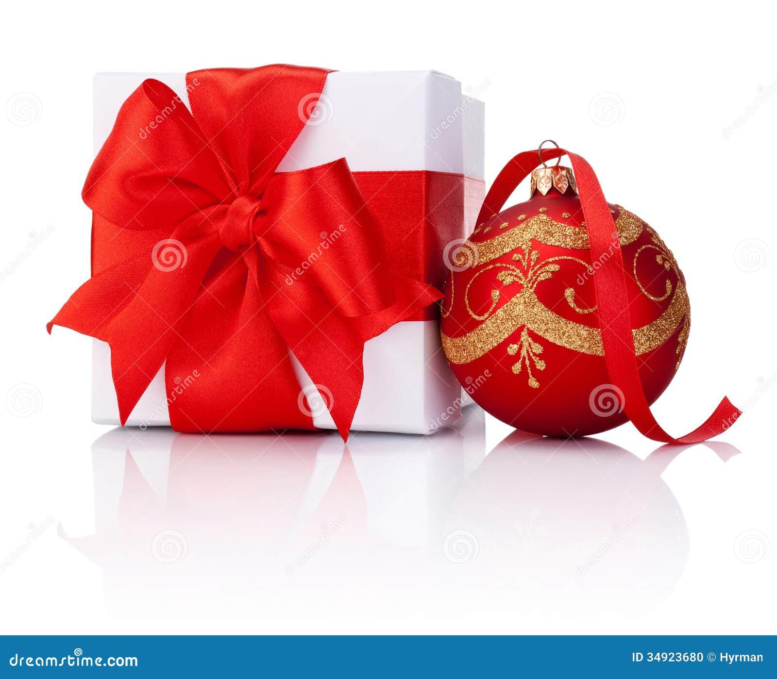 Bo te cadeau blanc attach avec le ruban rouge et boule de - Boule de noel rouge et blanche ...