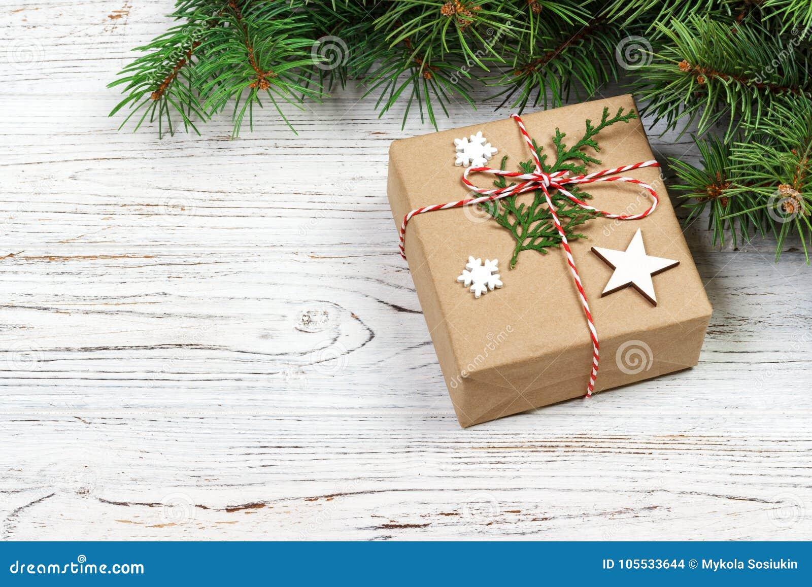 Arbre Bois Blanc Decoration boîte-cadeau de noël, décor de noël et arbre de sapin sur le