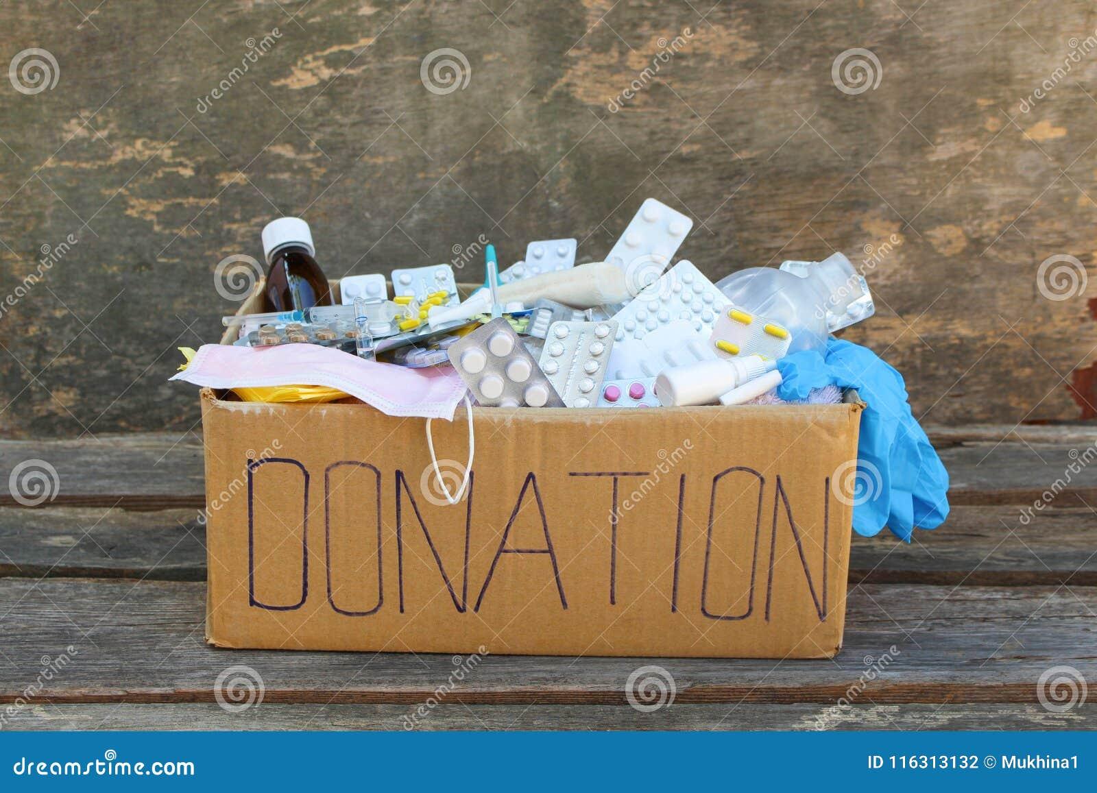 Boîte de donation avec des médecines