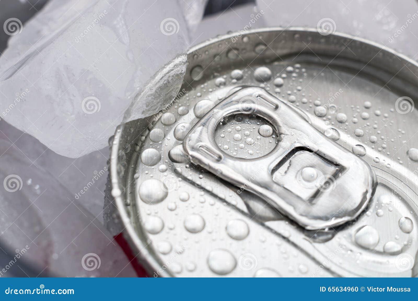 Boîte humide de soude sur la glace