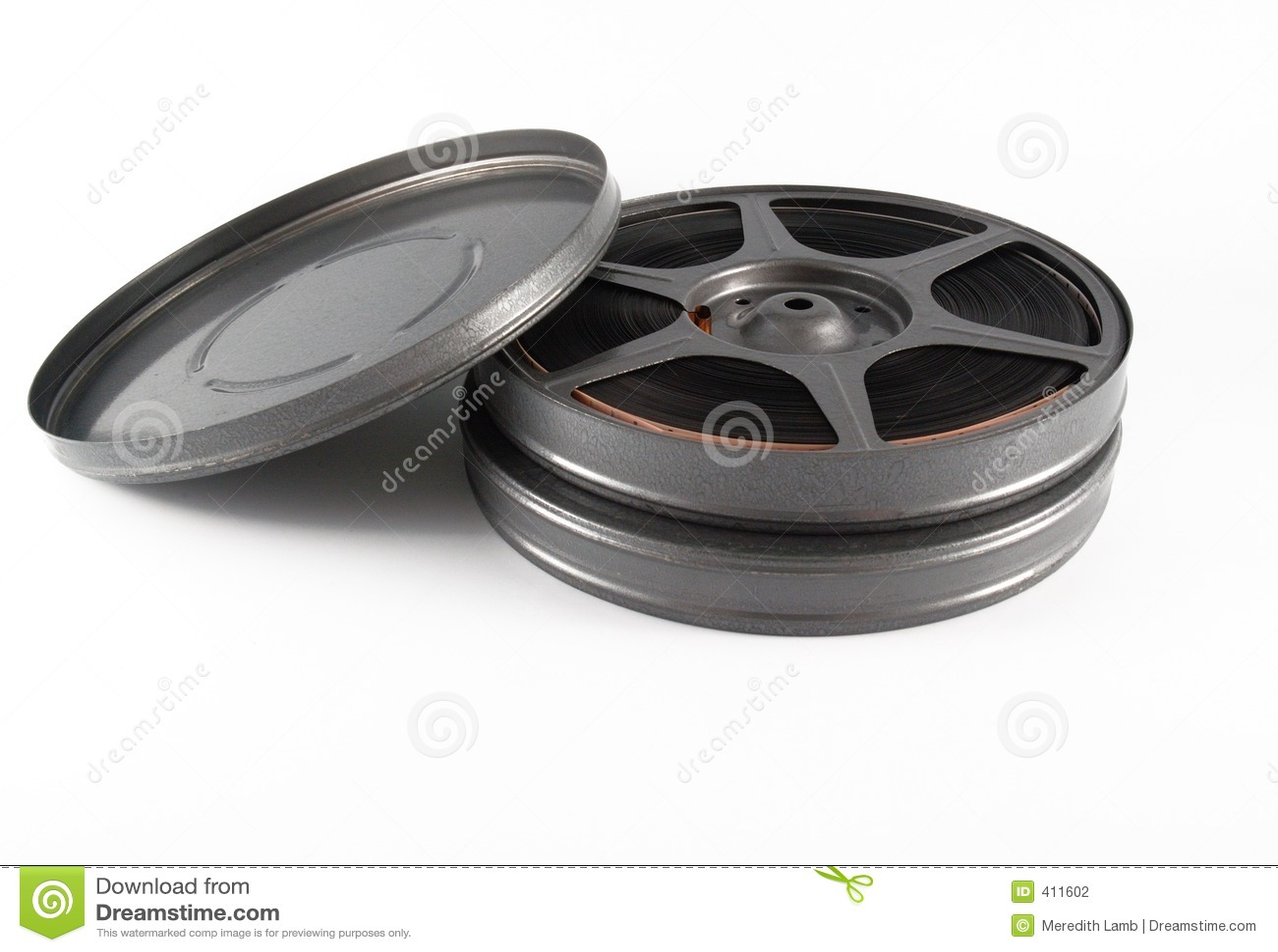 Boîtes et bobine de film de 16 millimètres