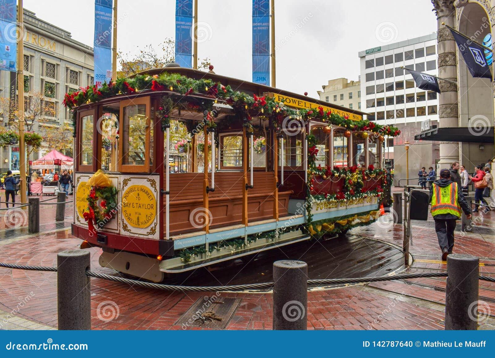 Boże Narodzenia Dekorowali San Francisco Dziejowego wagon kolei linowej