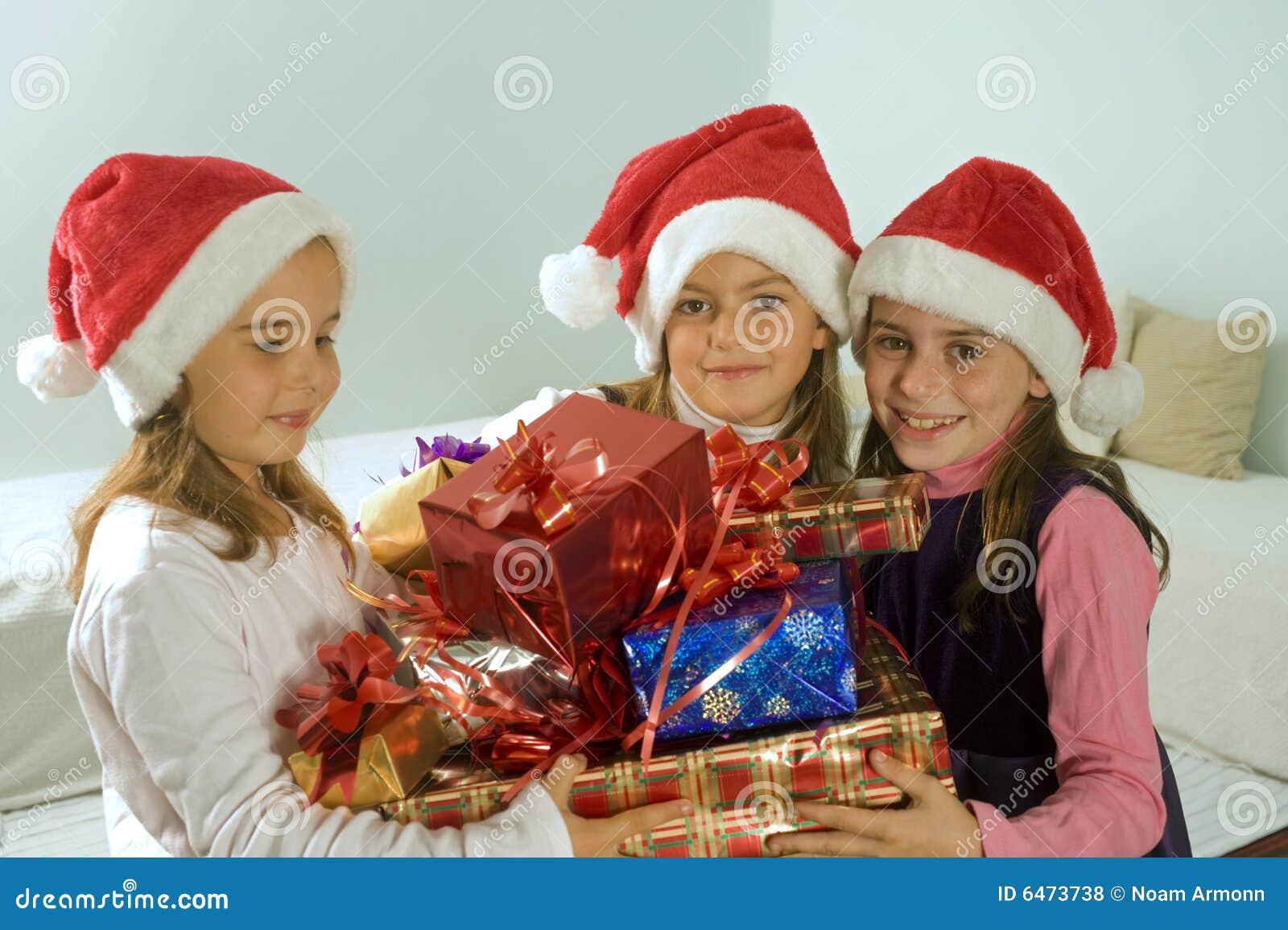 Boże narodzenie trochę przedstawiają trzy dziewczyny