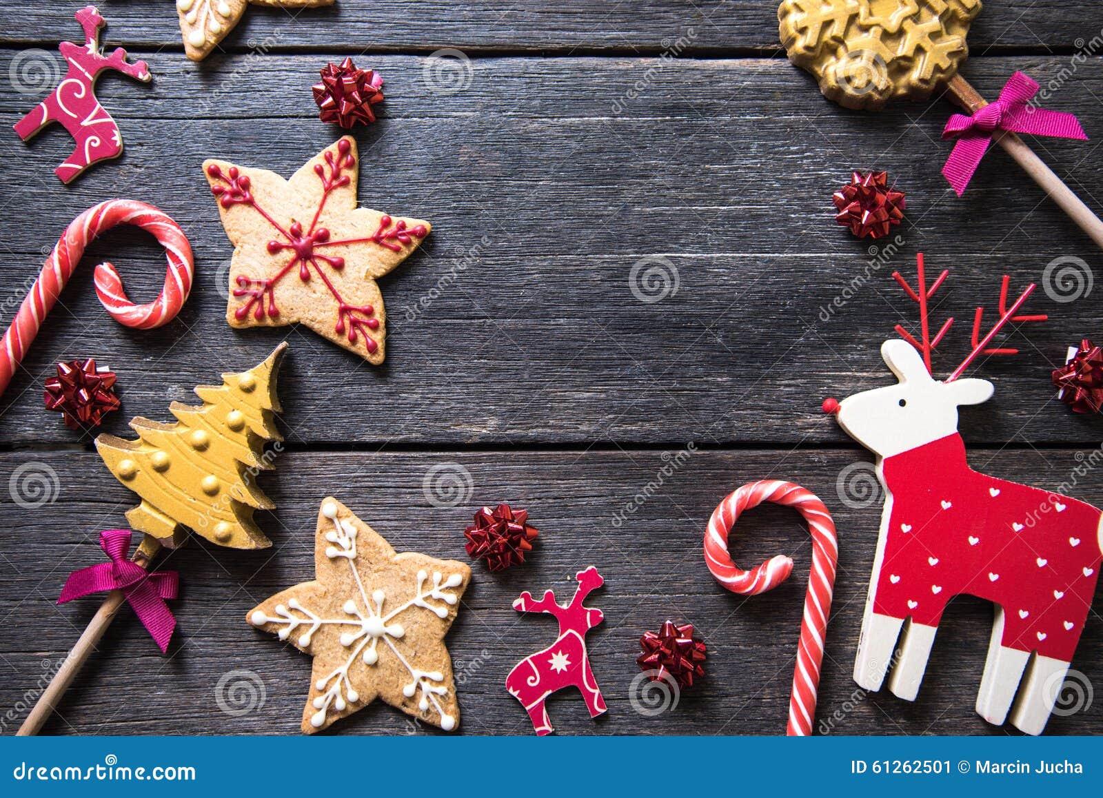 Bożenarodzeniowi świąteczni domowej roboty dekorujący cukierki
