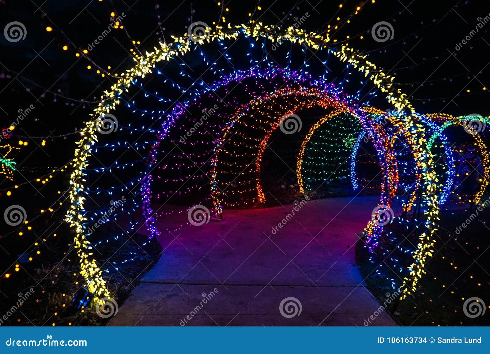 Bożonarodzeniowe światła tunel