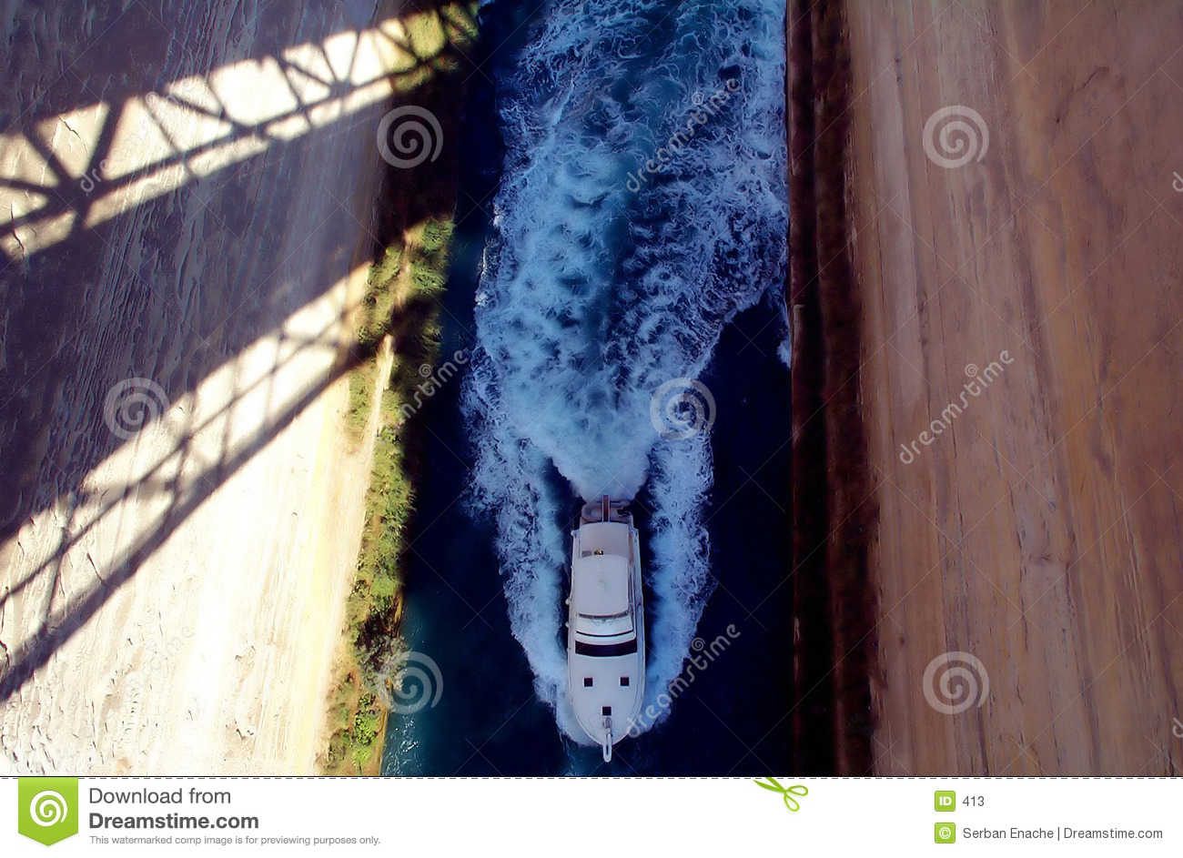 Boat in isthmus
