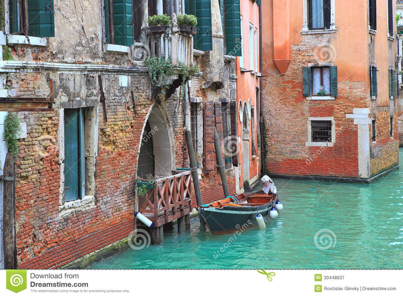 Boat And Old Brick House In Venice, Italy. Stock Image - Image of italy, site: 30448637