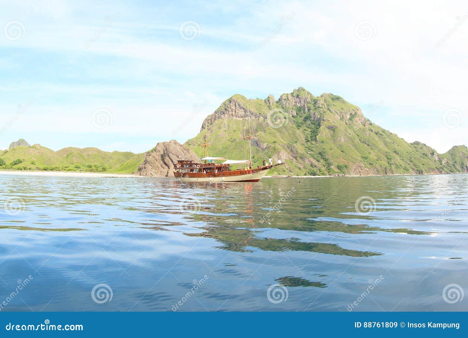 Boat at Padar Island