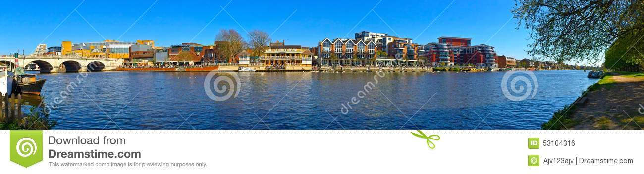 Panoramic view of the River Thames