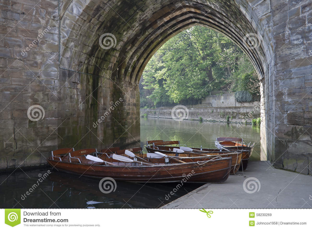 Boats Under Archway On River Wear Durham City Editorial Stock