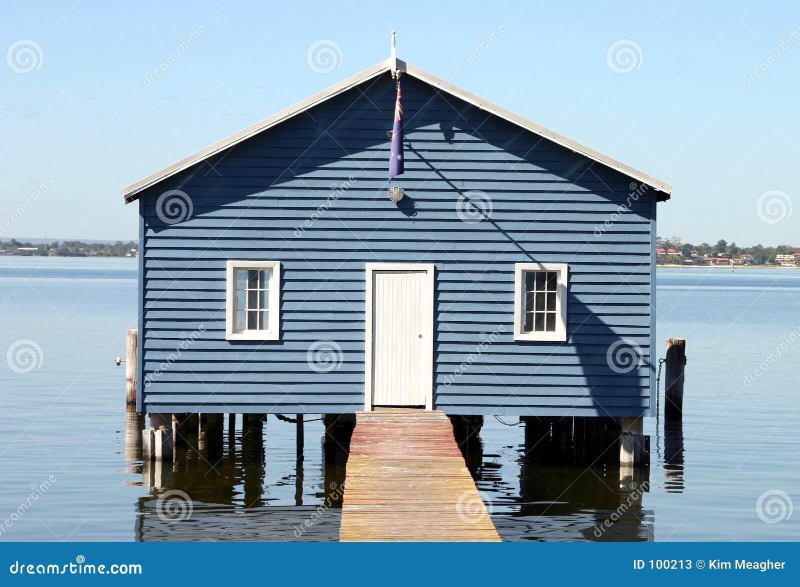 Boatshed mim