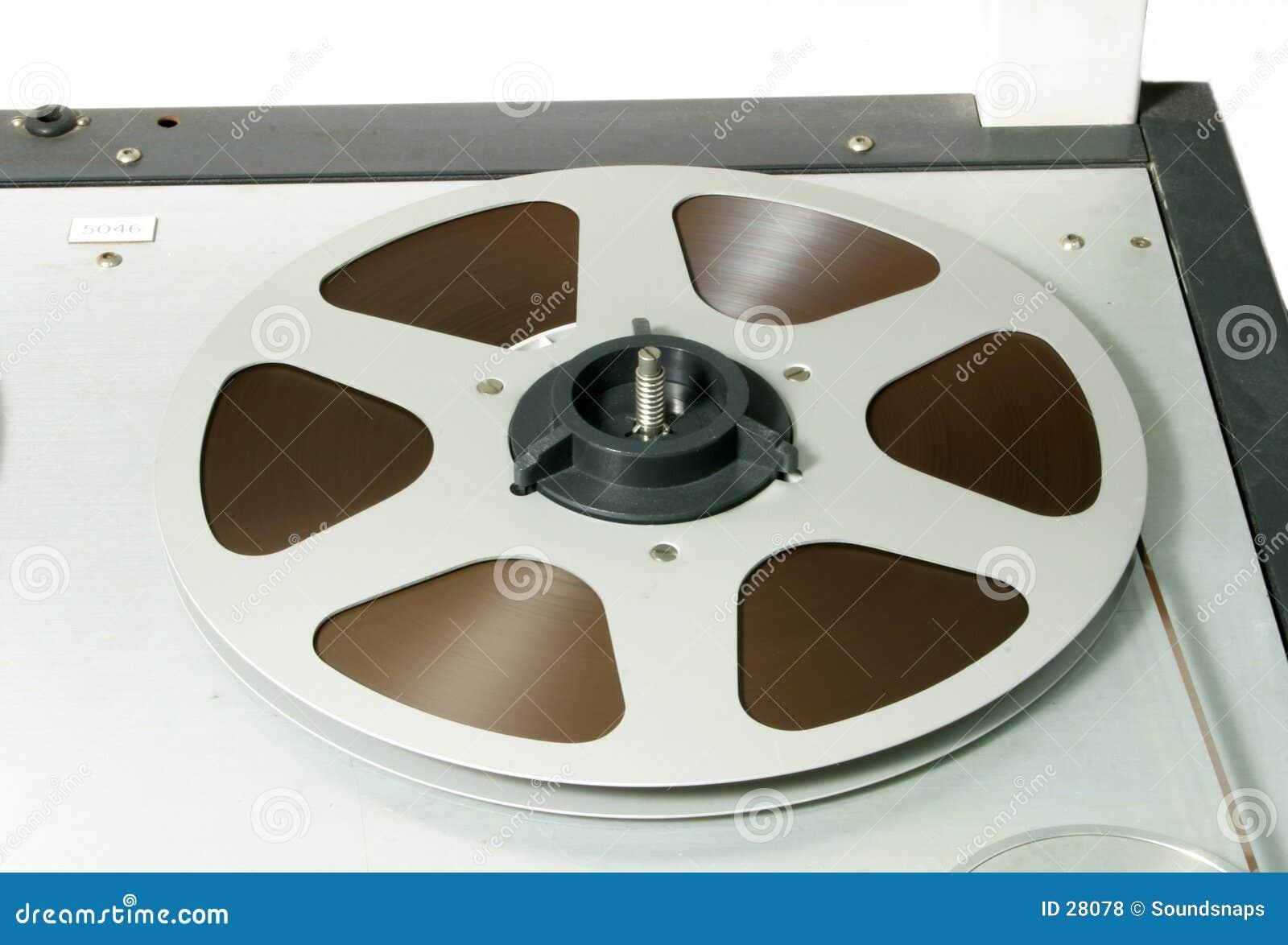 Bobina di nastro sul registratore