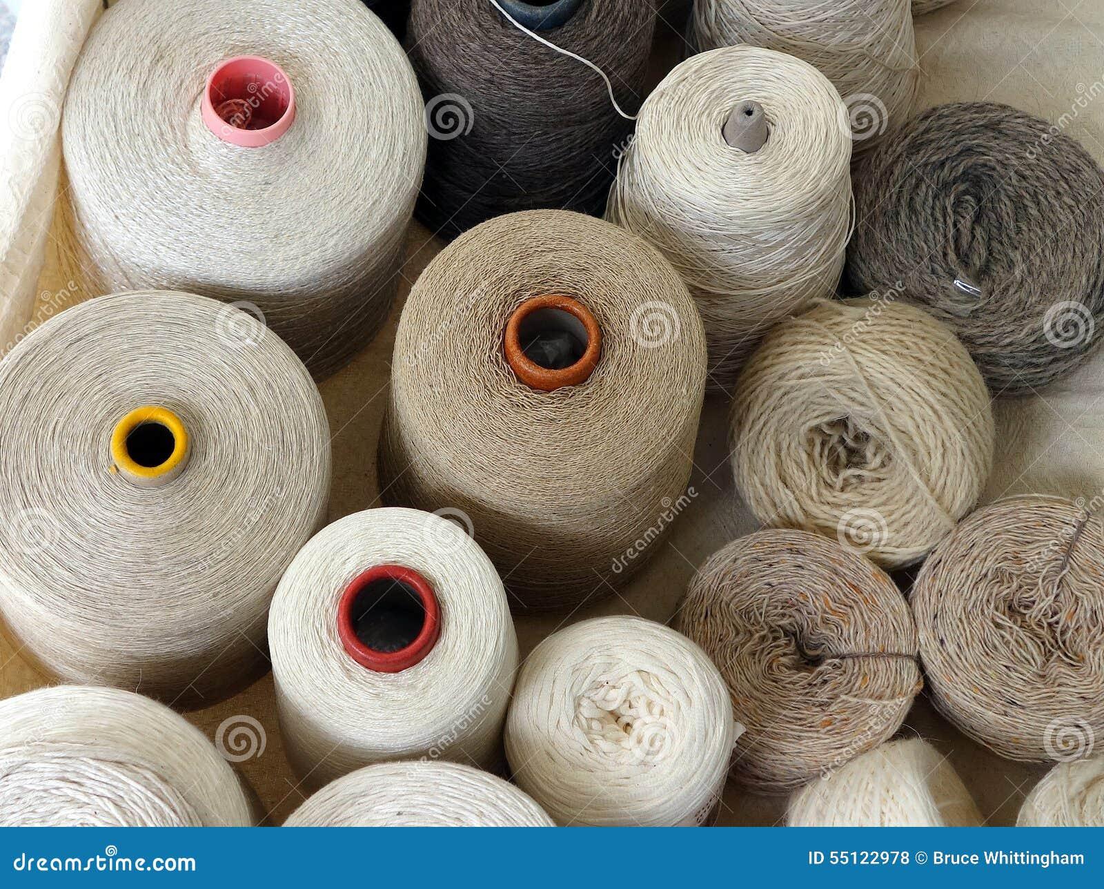 Bobine delle fibre tessili naturali milano fotografia for Fibre naturali