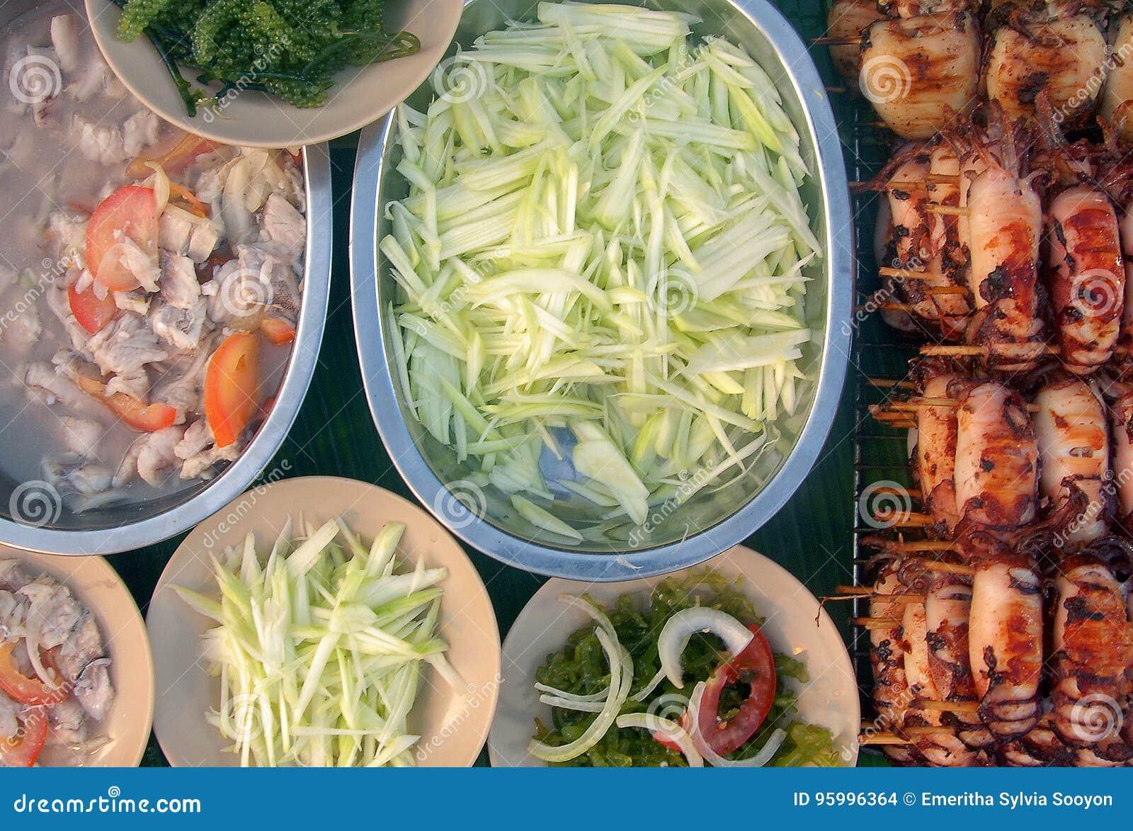 Boca que molha o prato local de Sabah