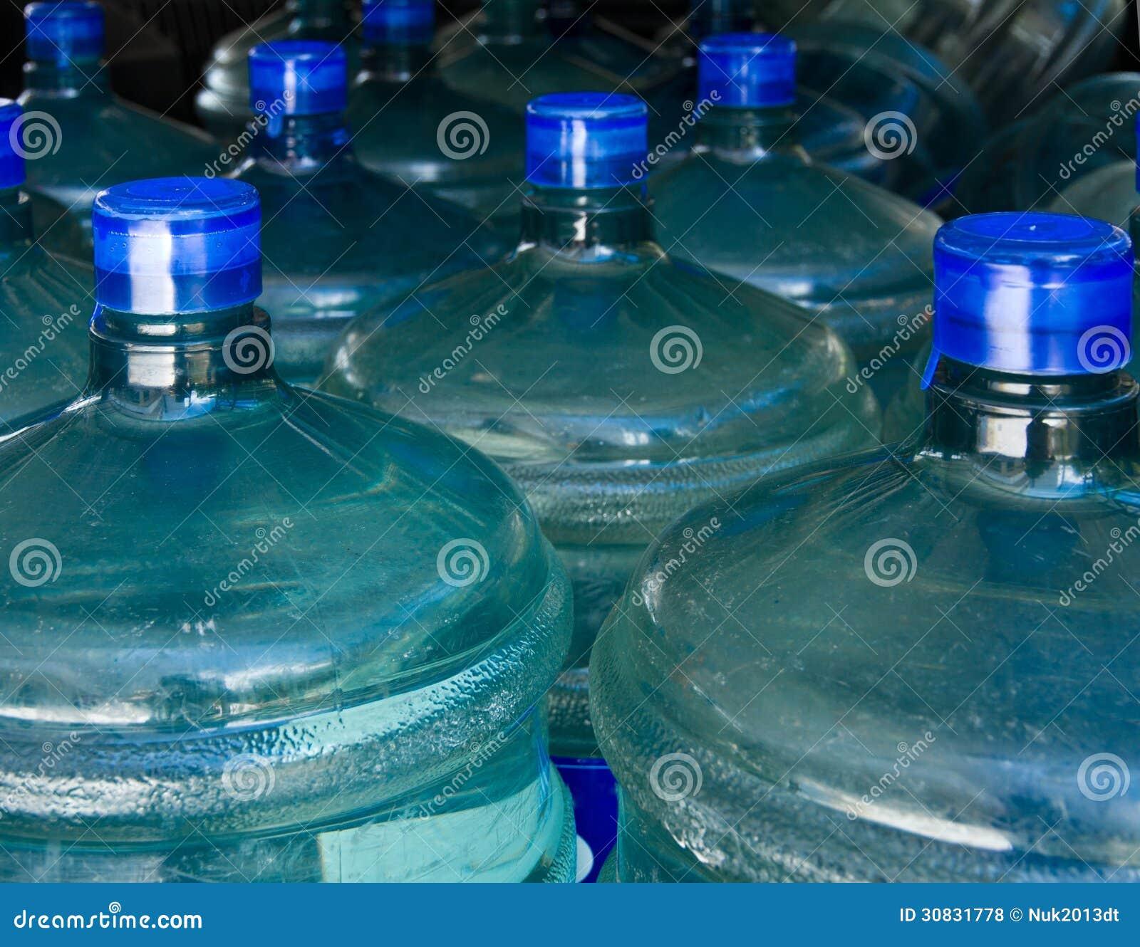 Boccetta di acqua della bevanda.