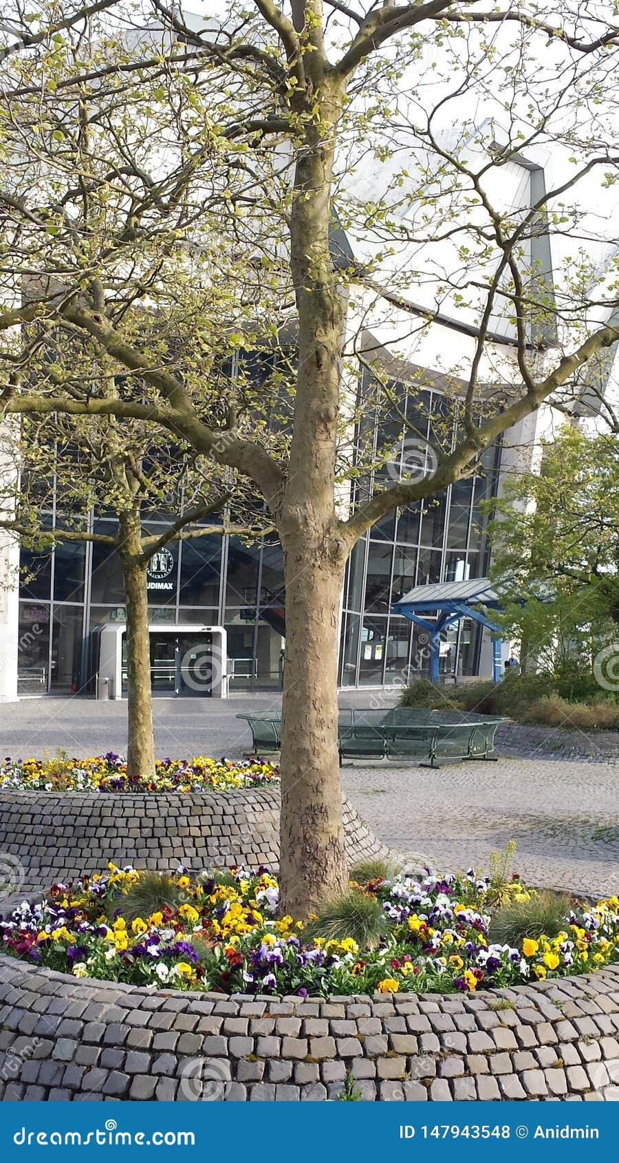 Bochum, Alemanha - 24 de abril de 2015: Ruhr-universidade Bochum do terreno