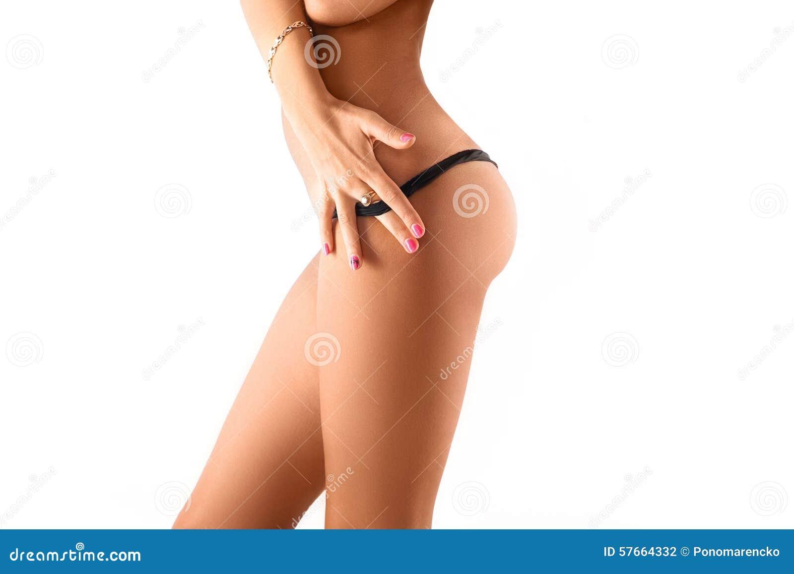 Boczny widok kobiety schudnięcia ciało w czarnych majtasach