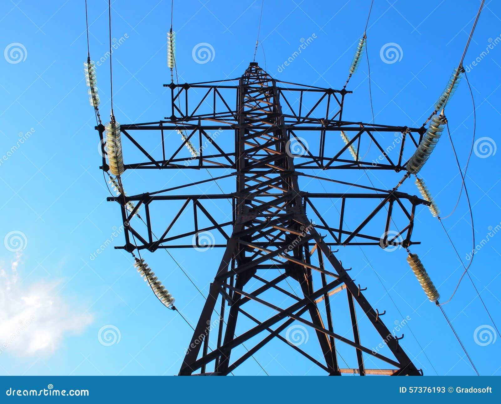 Bodemmening van de metaaltoren met hoog voltage