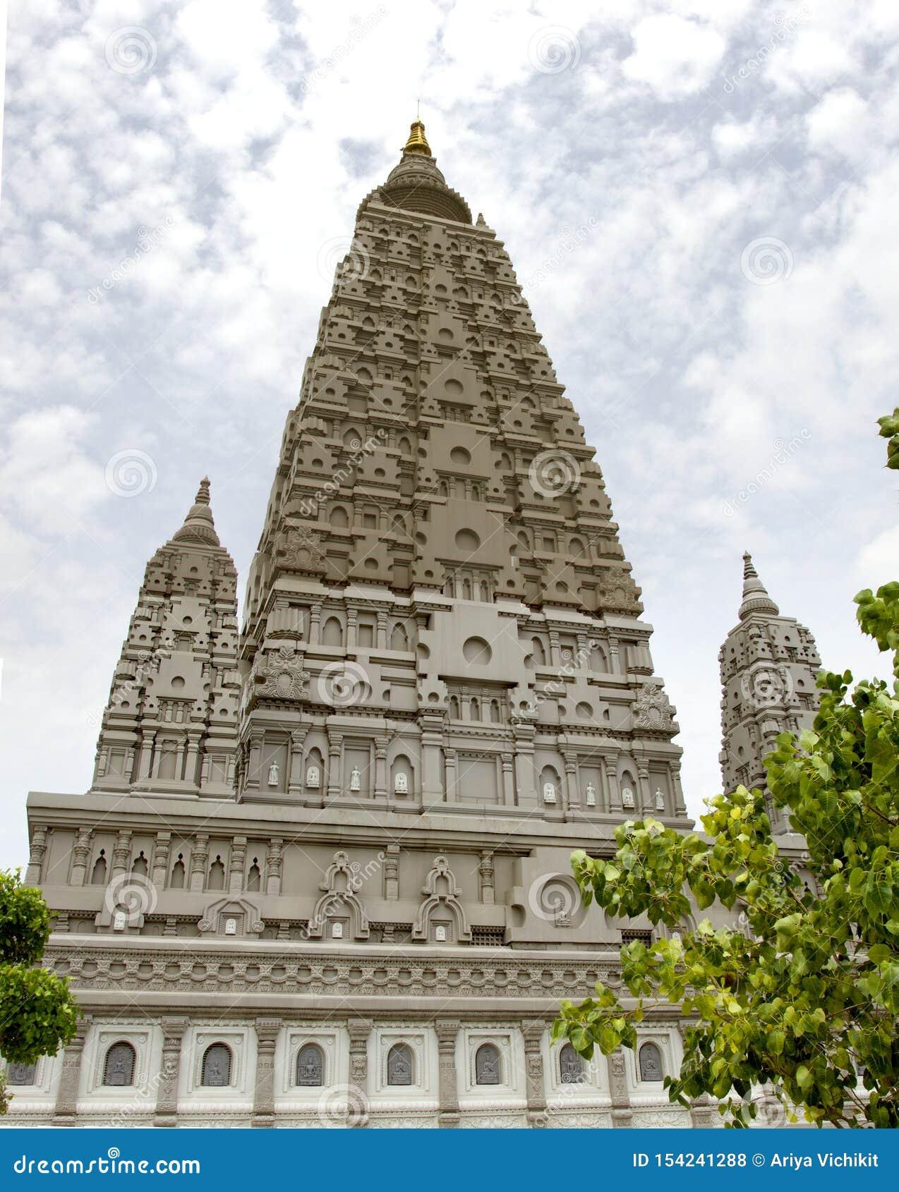Bodh Gaya религиозные место и место паломничества связанные с комплексом виска Mahabodhi в watpanyanantaram в Khlong