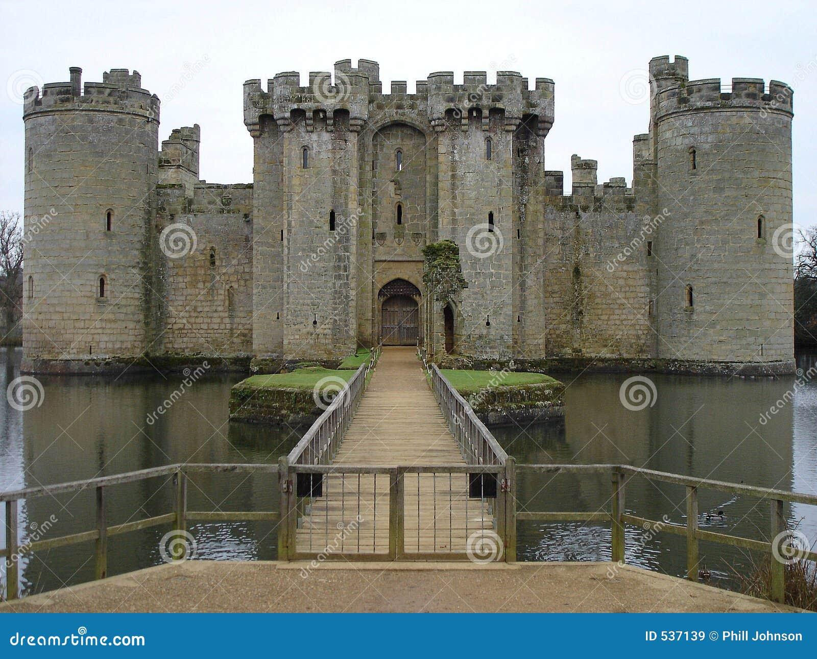Download Bodium城堡 库存图片. 图片 包括有 幻想, 堡垒, 有历史, 王子, 骑士, 中世纪, 宫殿, 护城河 - 537139