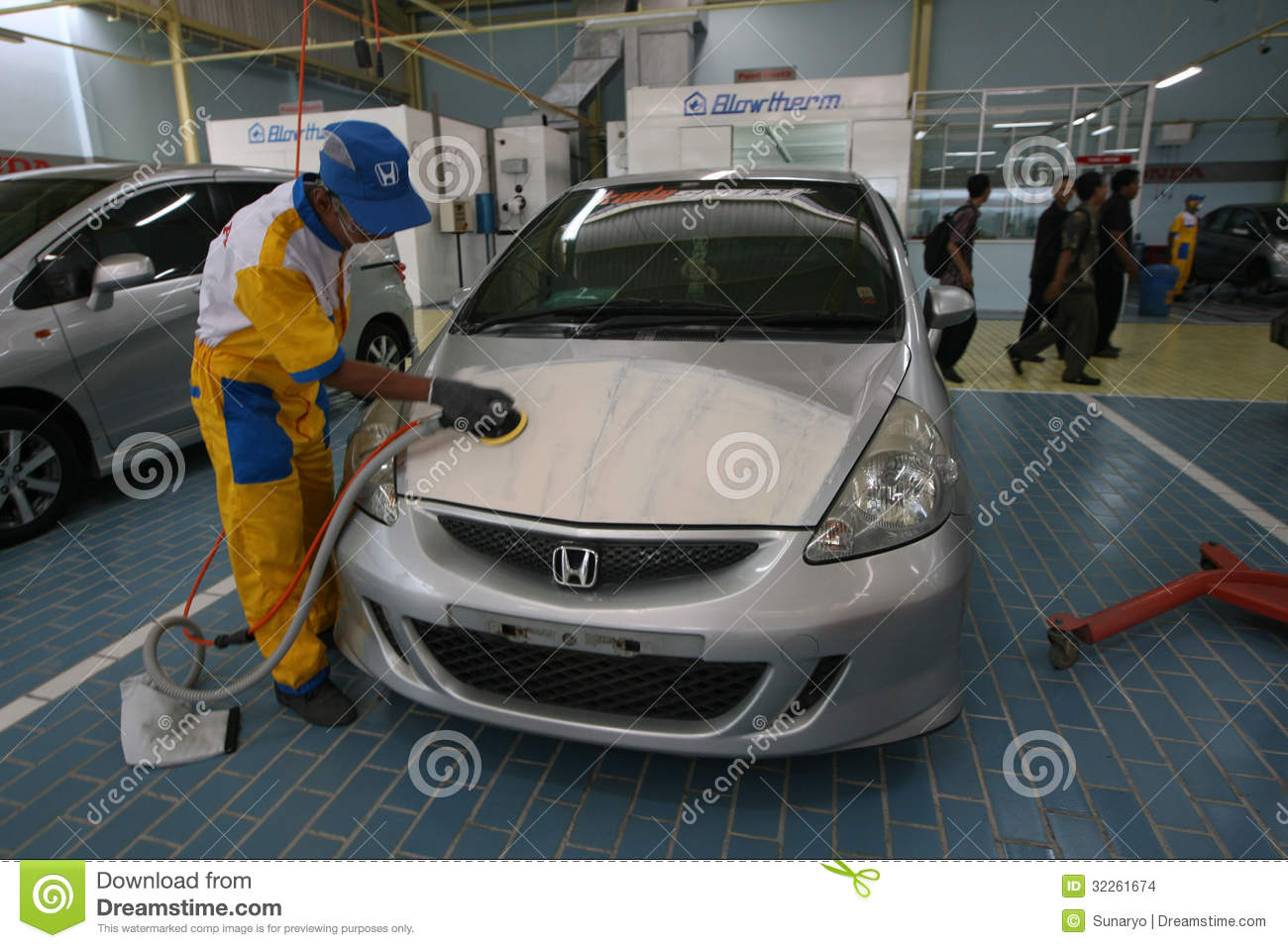 body image workshop Body repair editorial stock image. Image of headlamp - 32261674