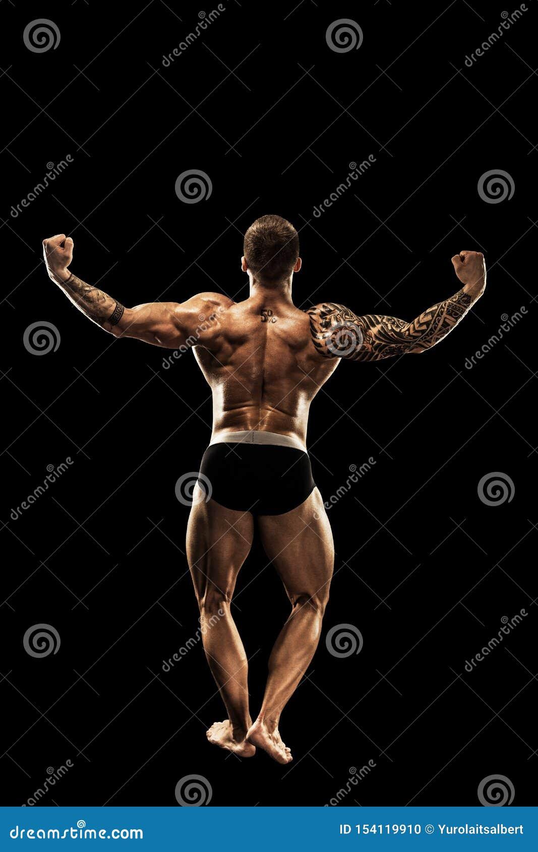 Bodybuilder target313_0_ Pi?knego sporty faceta m?ska w?adza Sprawno?ci fizycznej mi??niowy cia?o Odizolowywaj?cy na czarny tle