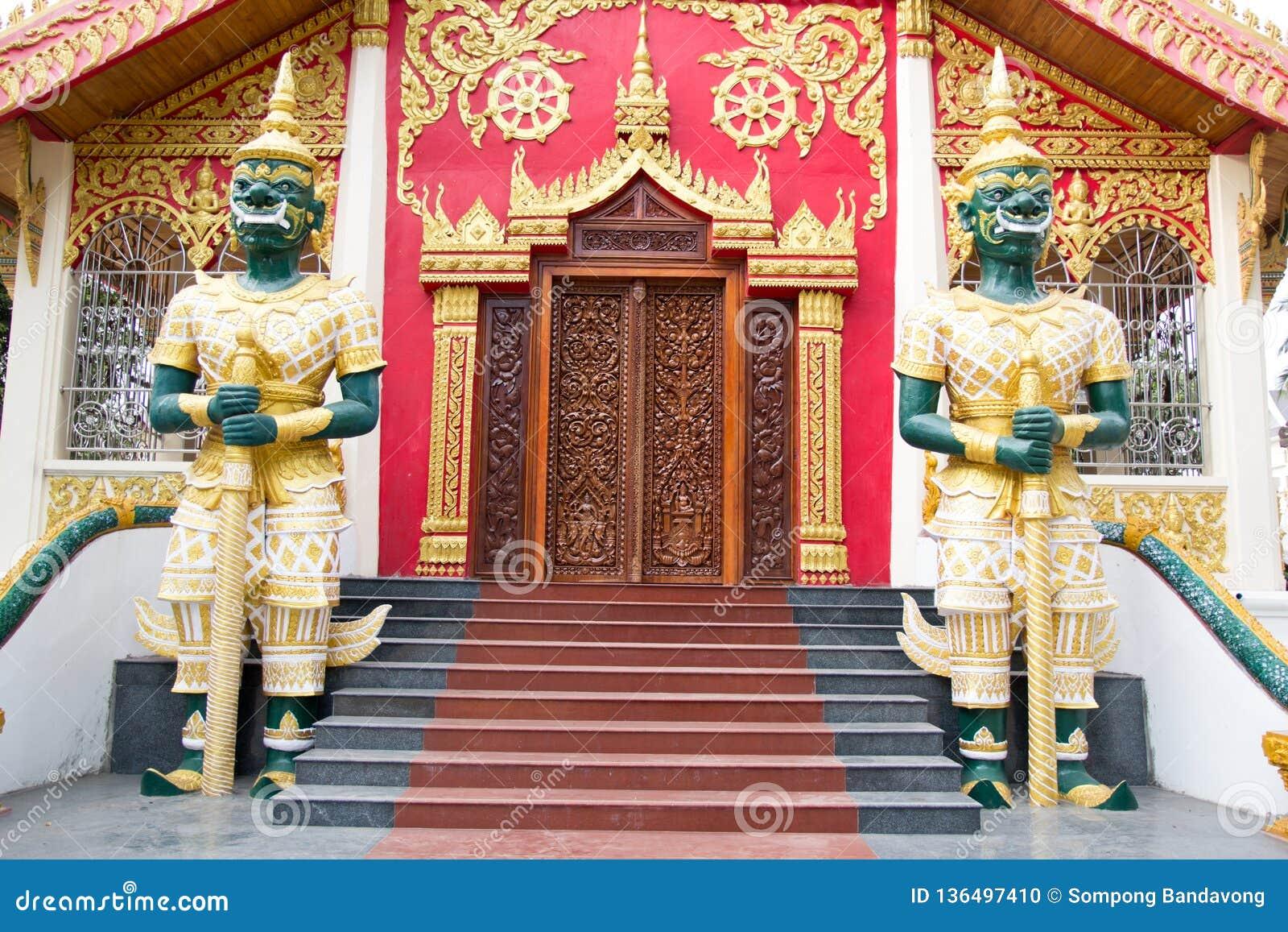 Boeddhistisch standbeeld
