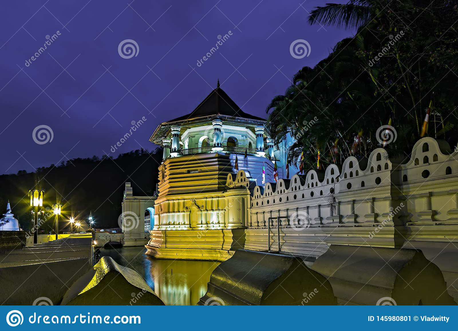 Boeddhistische Tempel van de Tand kandy Sri Lanka azi?