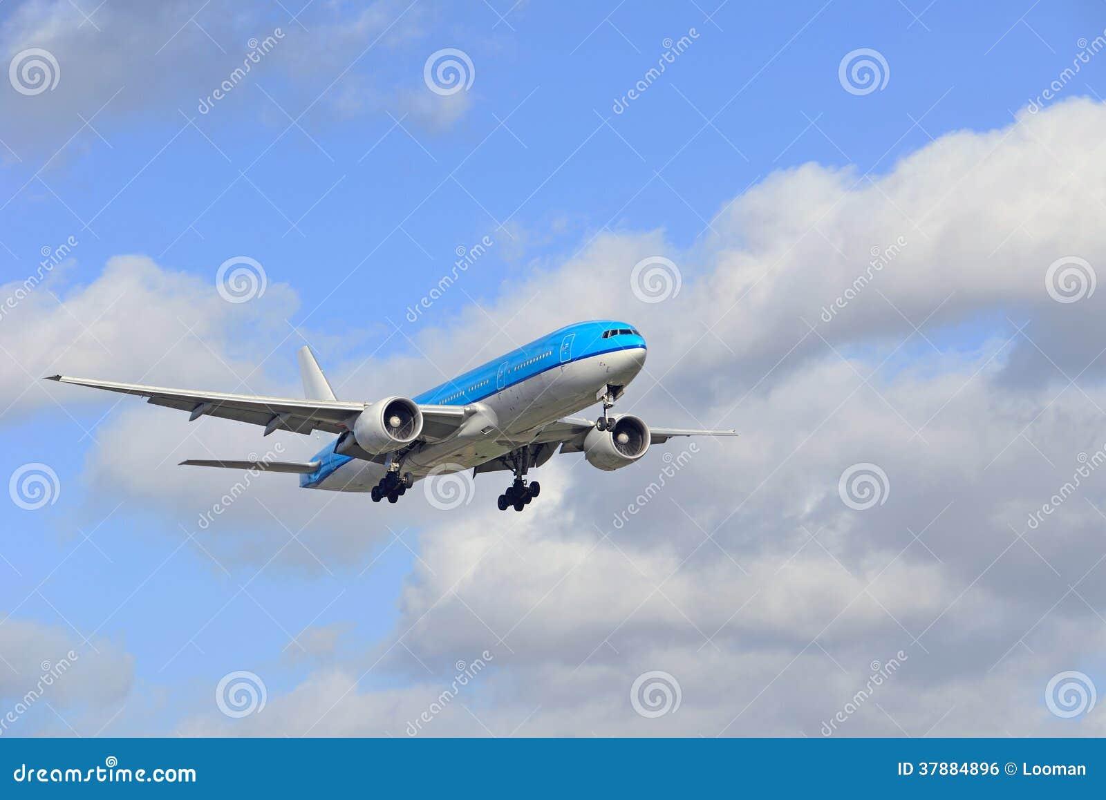 Boeing 777 - 206