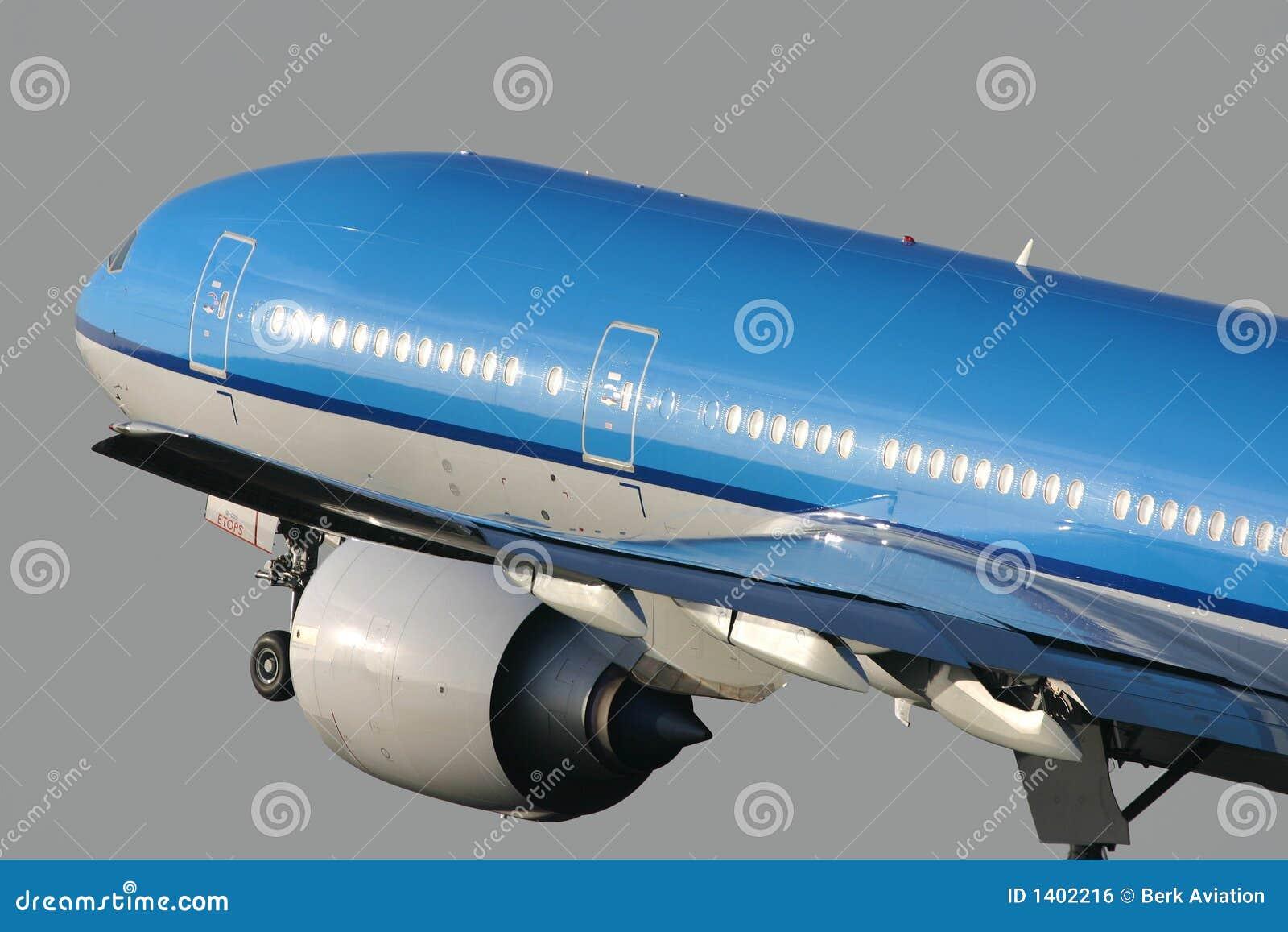 Boeing 777 décollant