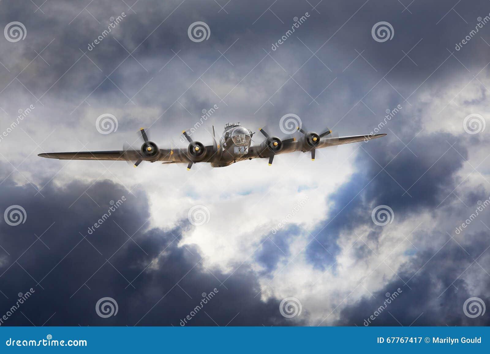 Download Boeing B-17 Bomber stock image. Image of 1930s, propeller - 67767417