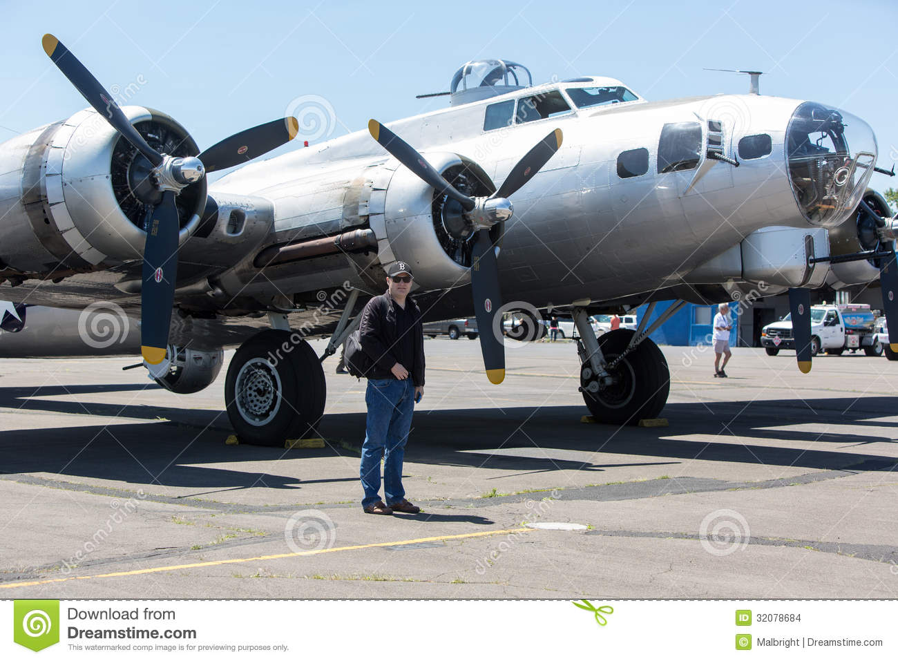 Download Boeing B-17 Flying Fortress Editorial Stock Image - Image of world, bomber: 32078684
