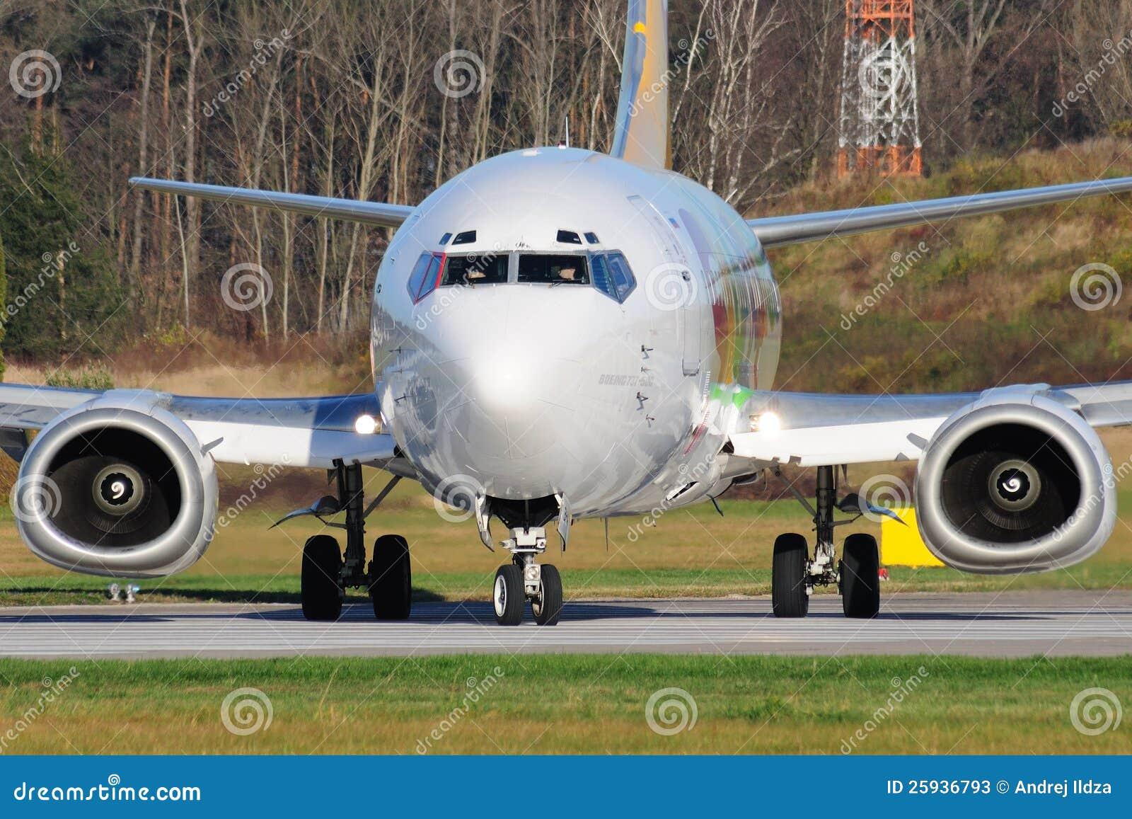 Boeing B737-529
