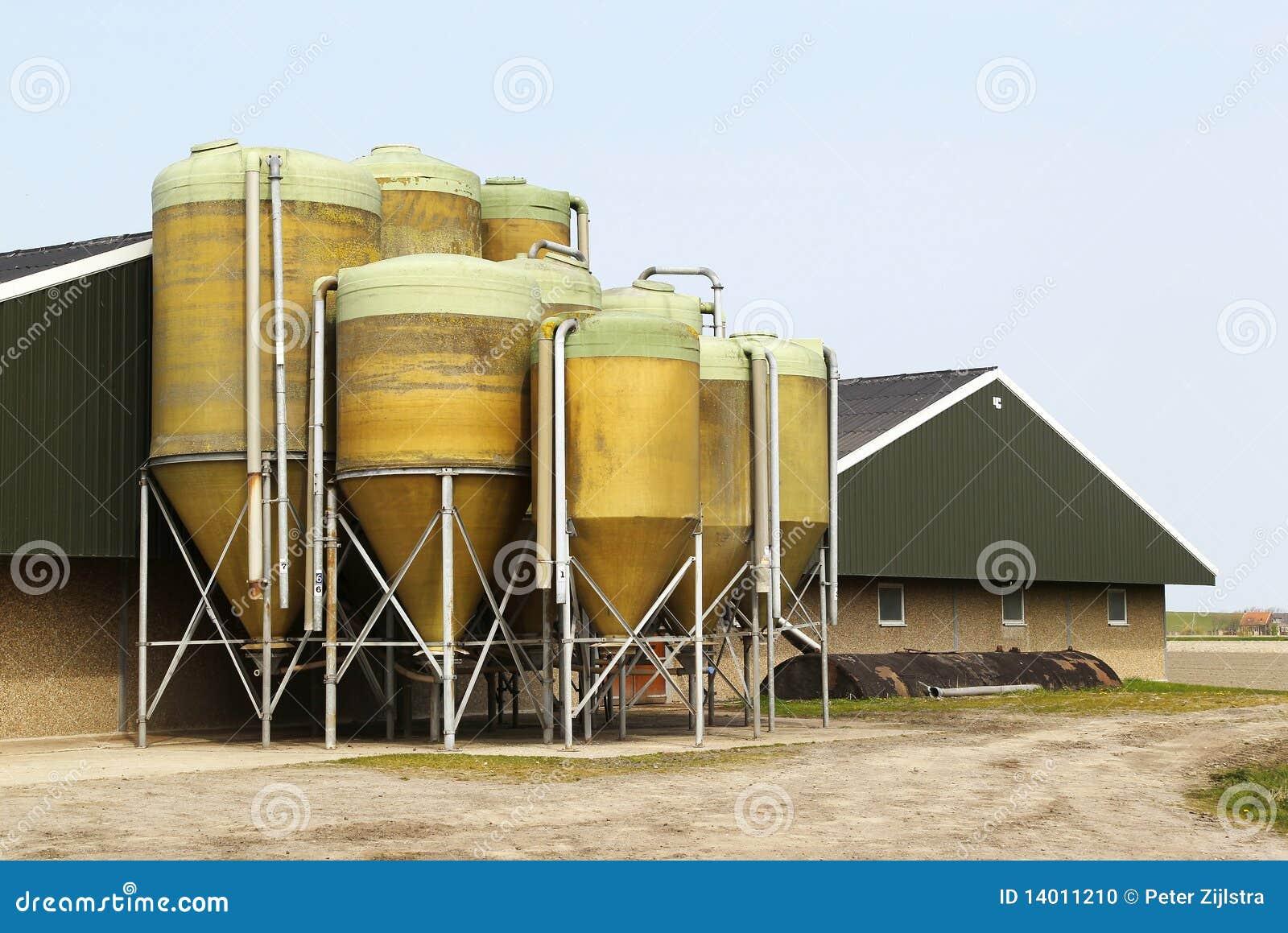 Boerderij met silo stock foto afbeelding 14011210 - Noordelijke deel ...