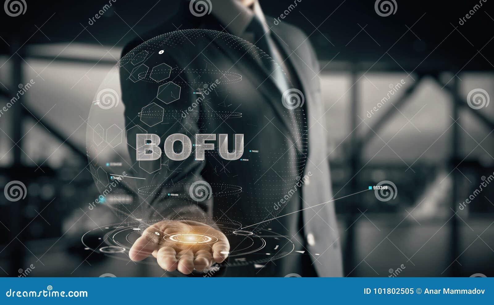 BOFU с концепцией бизнесмена hologram