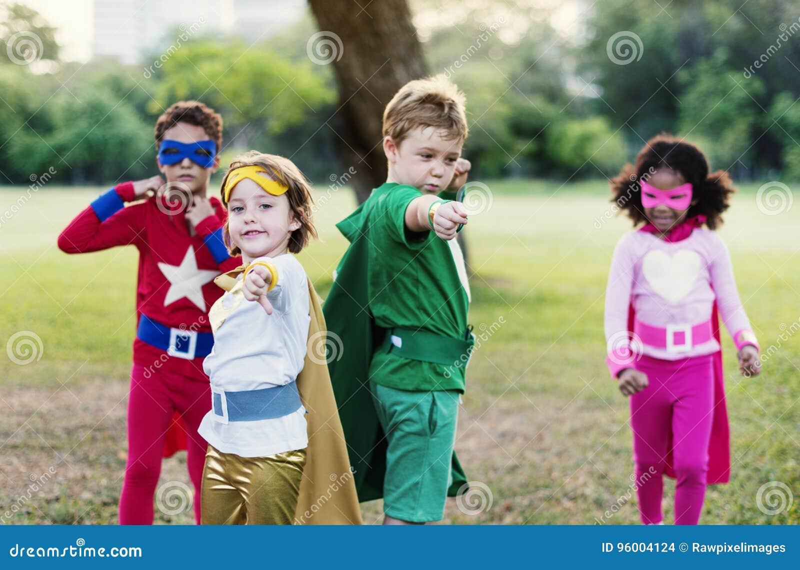 Bohaterów Rozochoceni dzieciaki Wyraża Positivity pojęcie