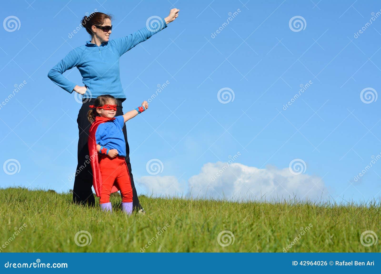 Bohater matka i dziecko - dziewczyny władza