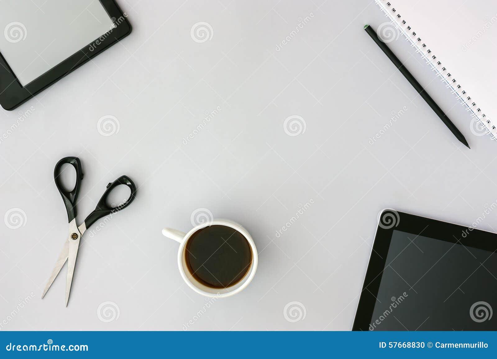 Bohatera chodnikowa wizerunek z biurowymi rzeczami