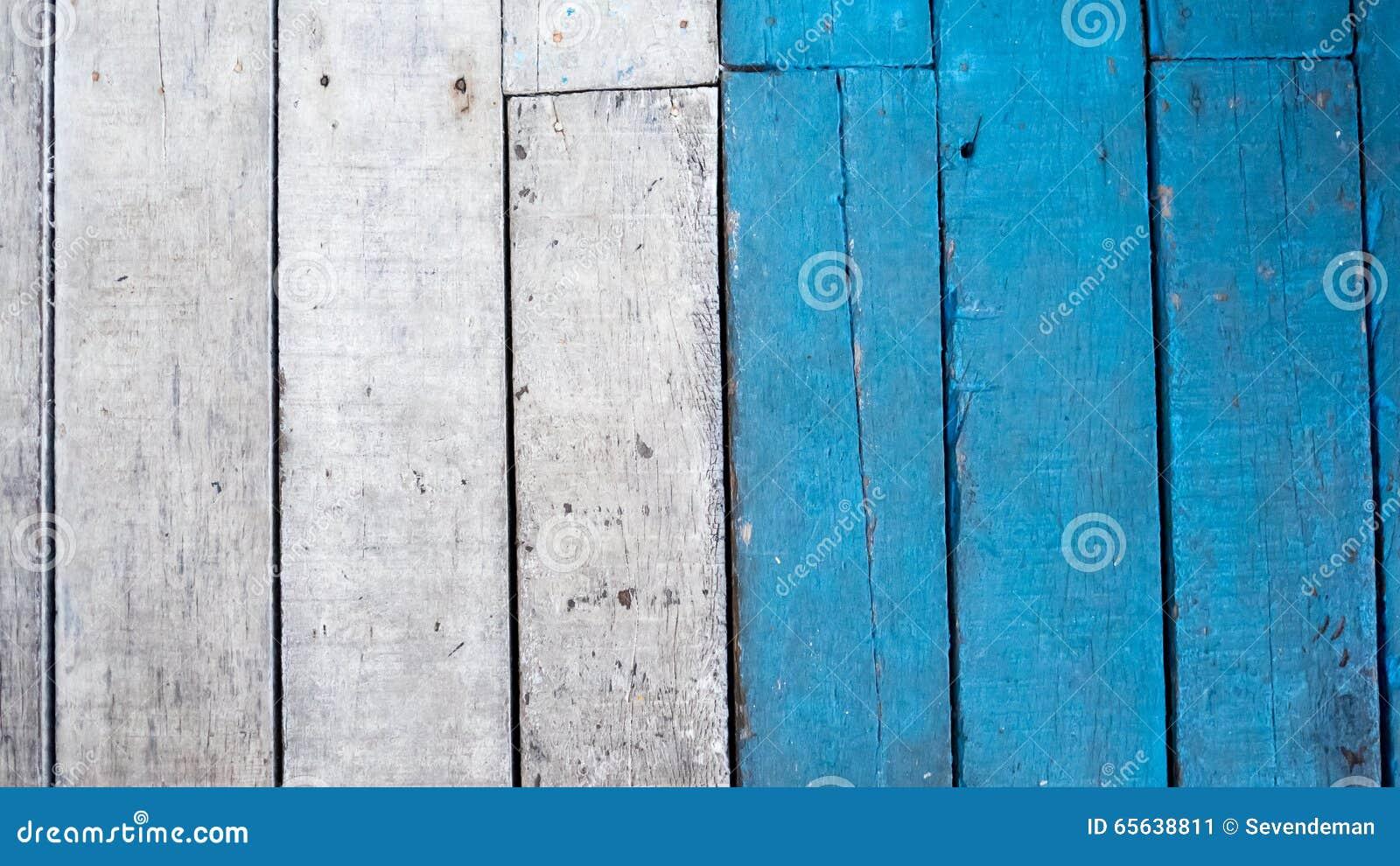 Bois blanc et bleu