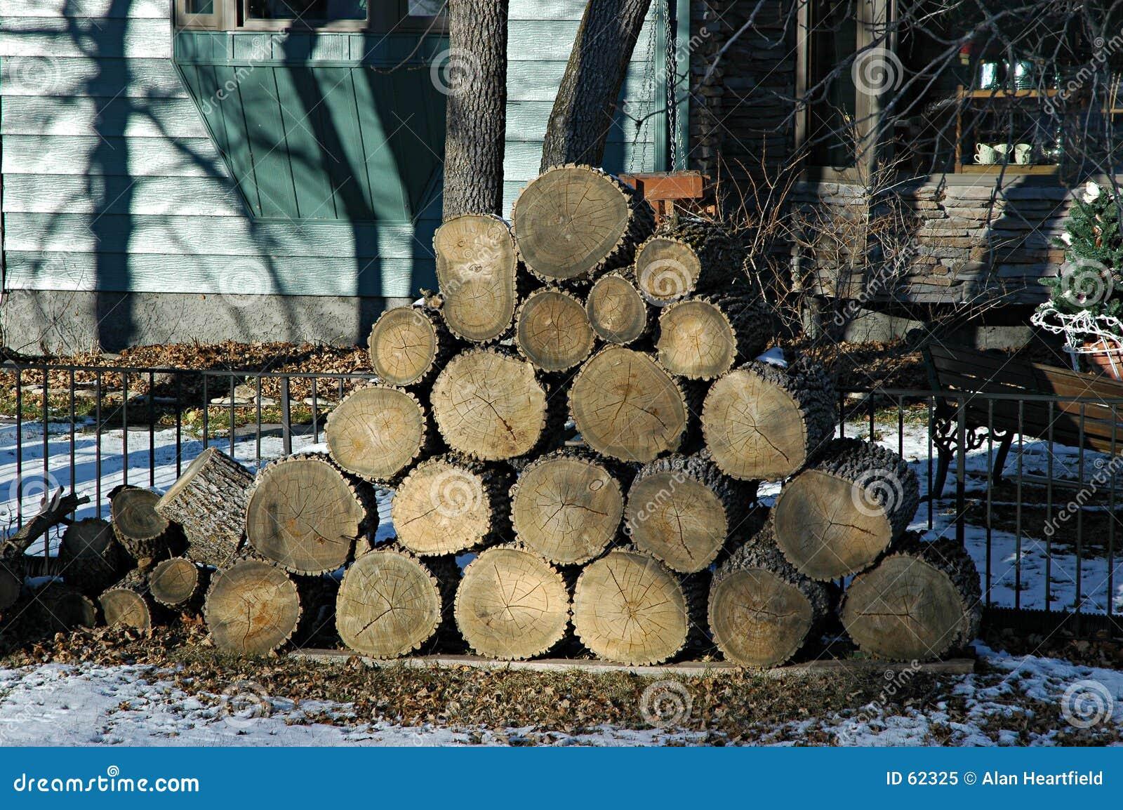 Download Bois de chauffage image stock. Image du firewood, fissures - 62325
