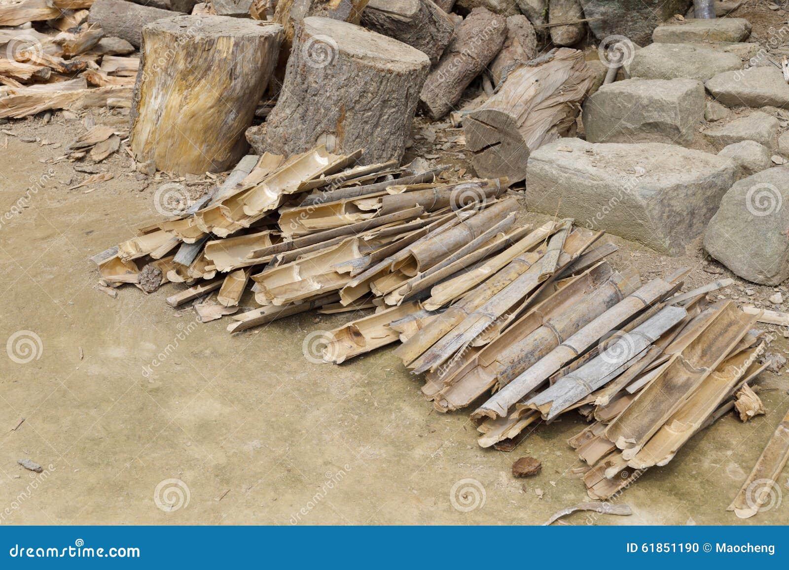 bois de chauffage en bois et en bambou photo stock image 61851190. Black Bedroom Furniture Sets. Home Design Ideas