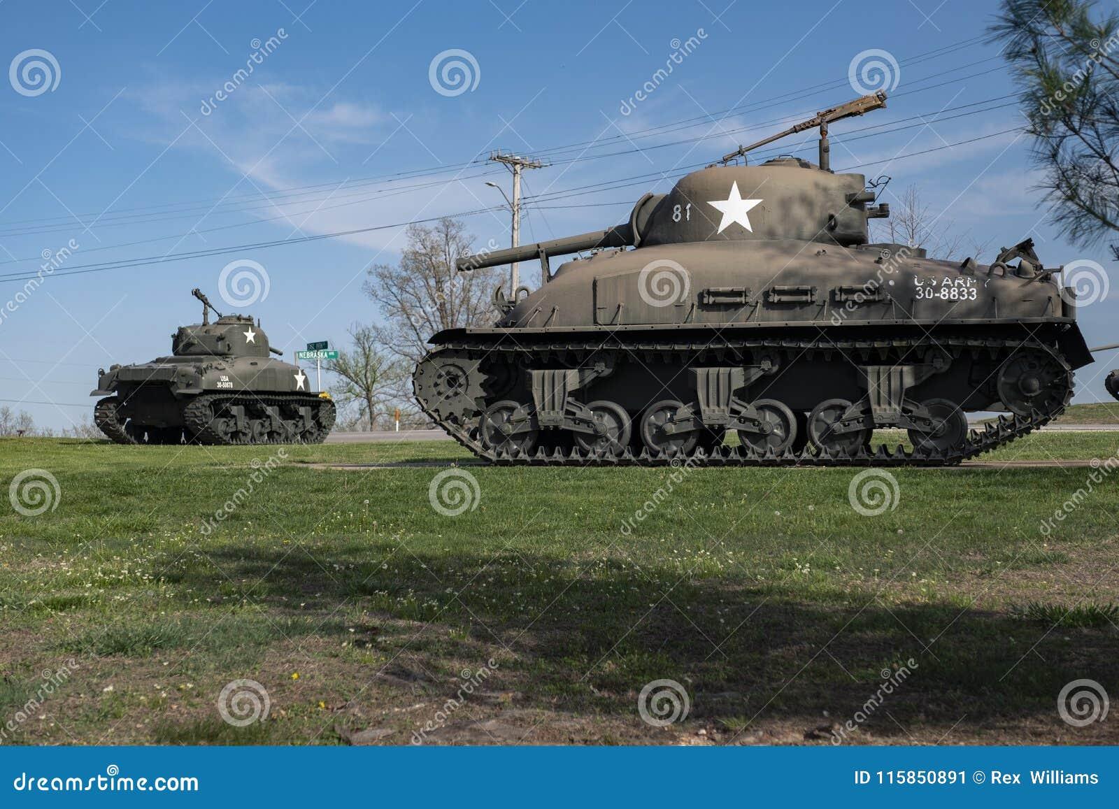 BOIS DE LÉONARD DE FORT, MOIS 29 AVRIL 2018 : Véhicule militaire Sherman Flame Tank