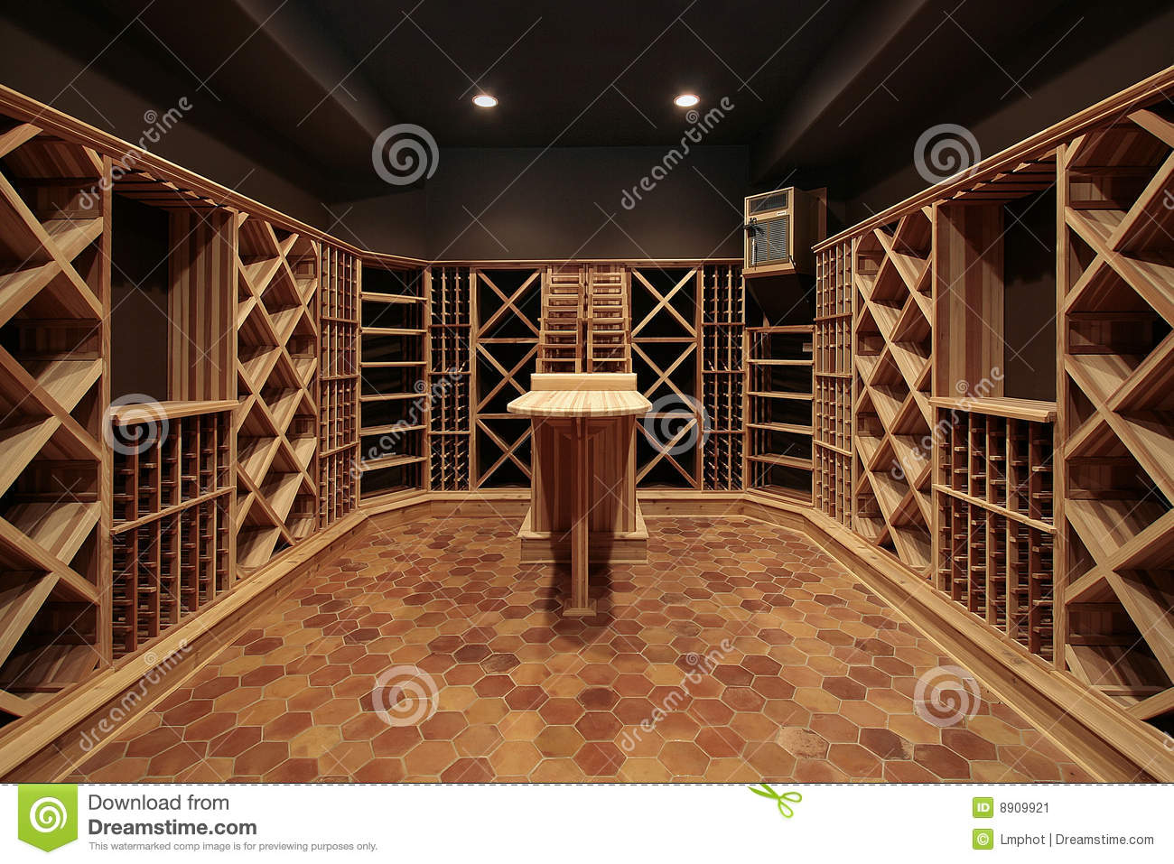 bois de vin de cave image stock image du d cor. Black Bedroom Furniture Sets. Home Design Ideas