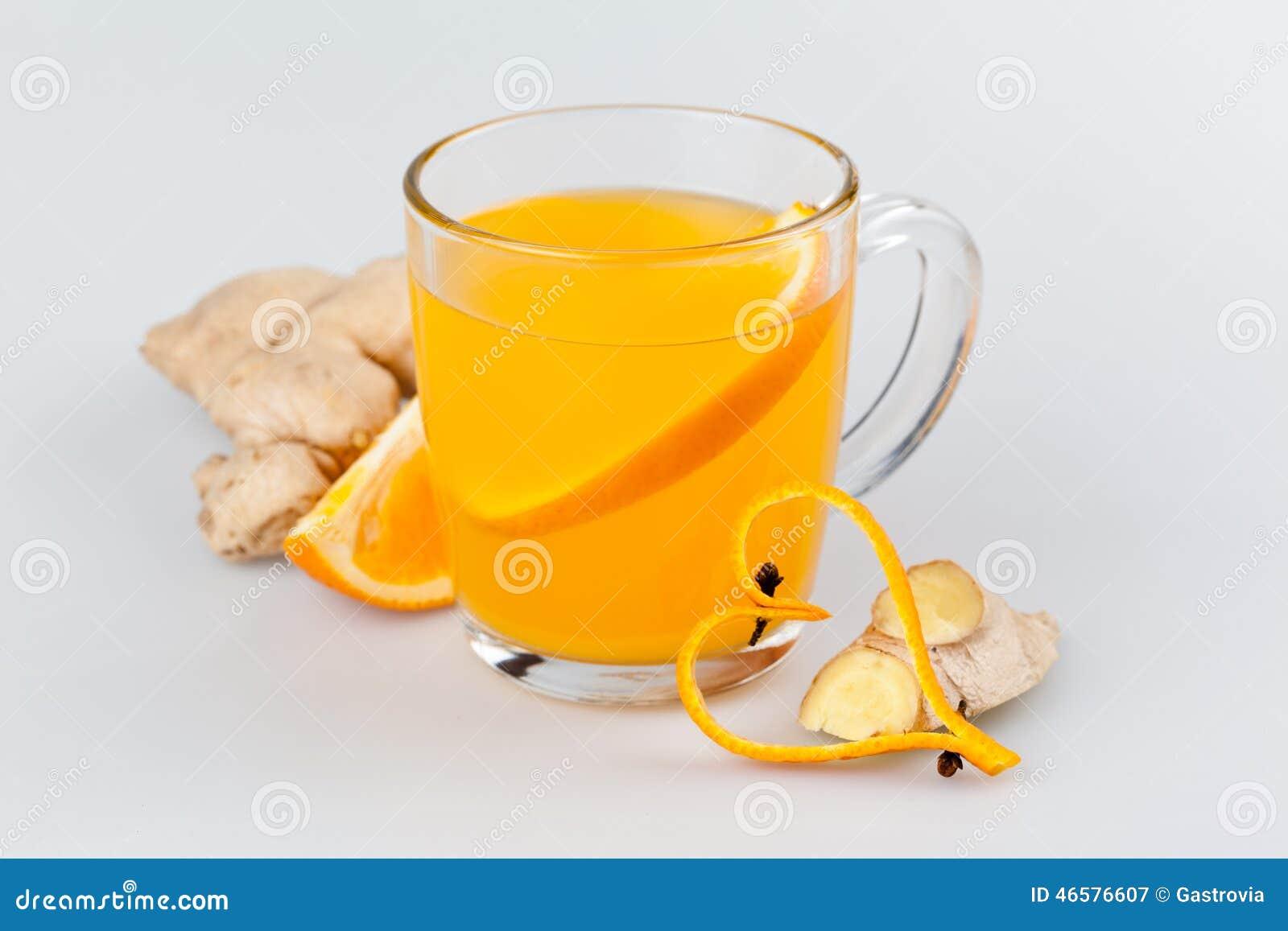 Boisson chaude de gingembre orange