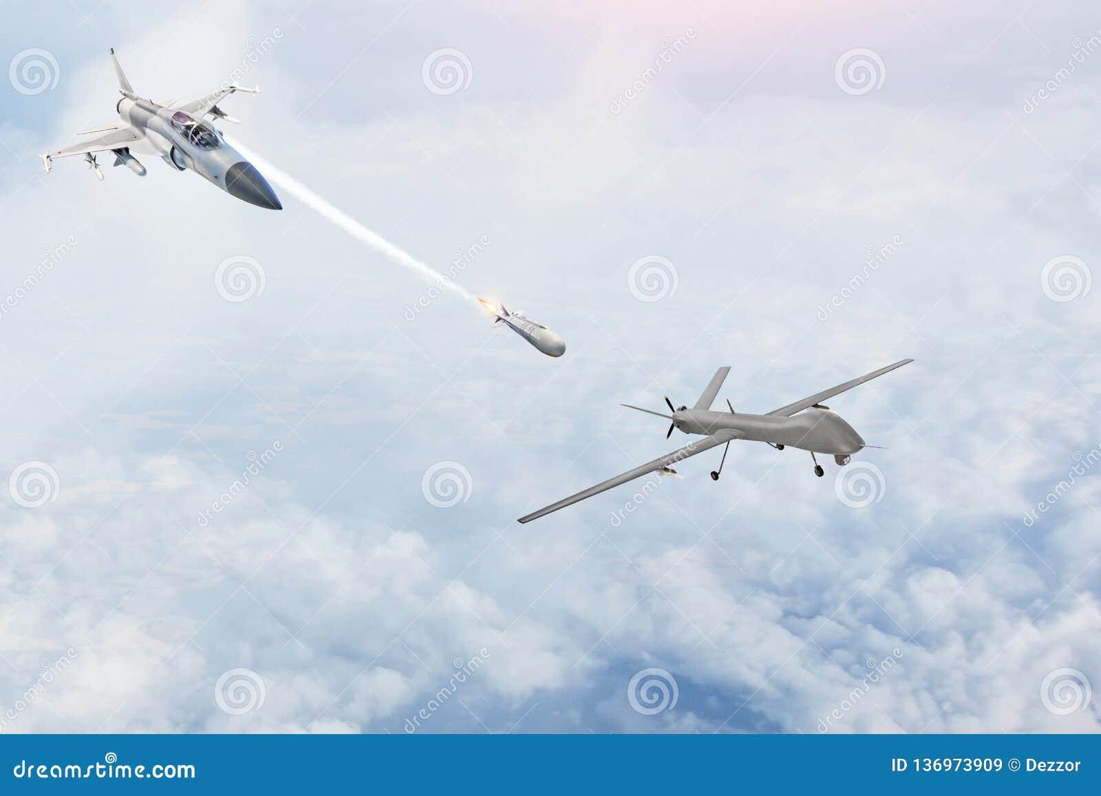 Bojowy wojownik wszczyna pociski przy celem - uav bezpilotowy militarny truteń Konflikt, wojna Kosmiczne siły